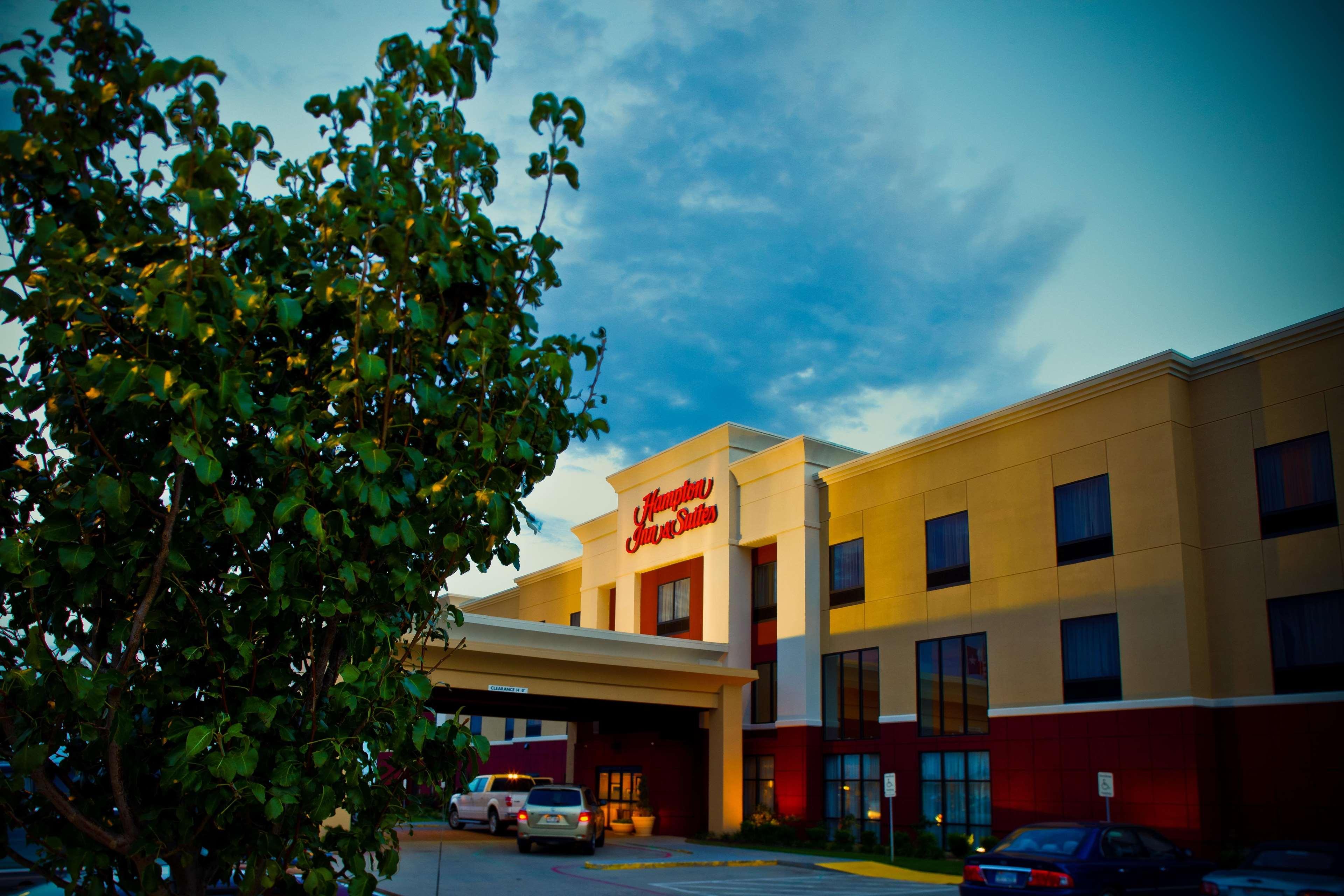 Hampton Inn & Suites Childress image 1