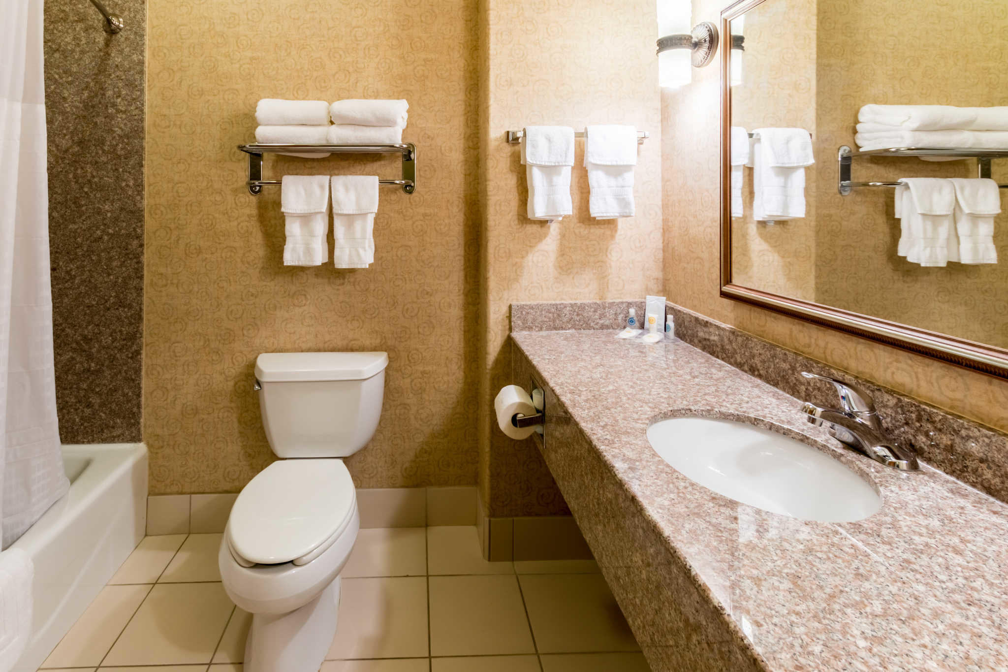Comfort Inn & Suites near Comanche Peak image 11