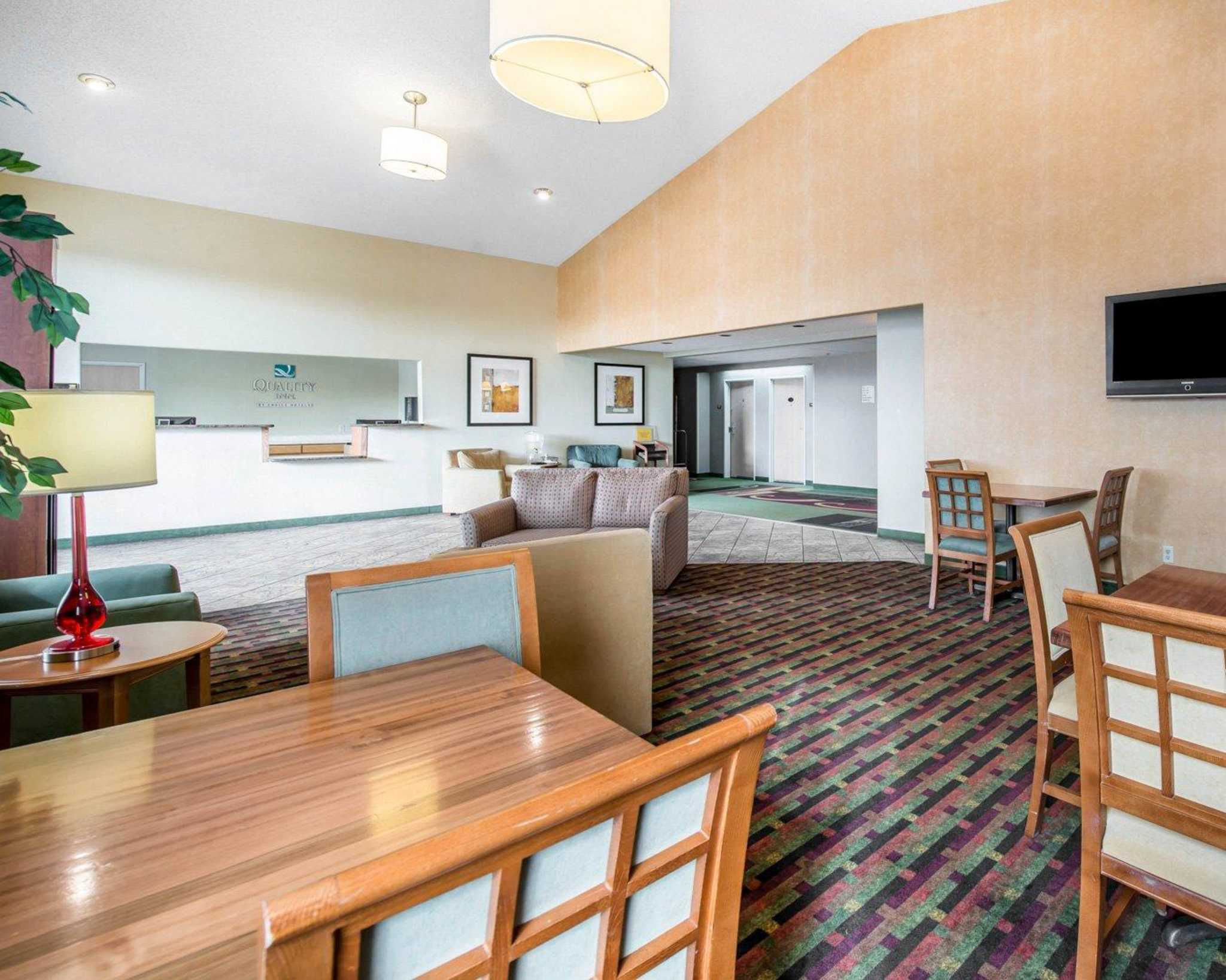 Quality Inn Colorado Springs Airport image 15