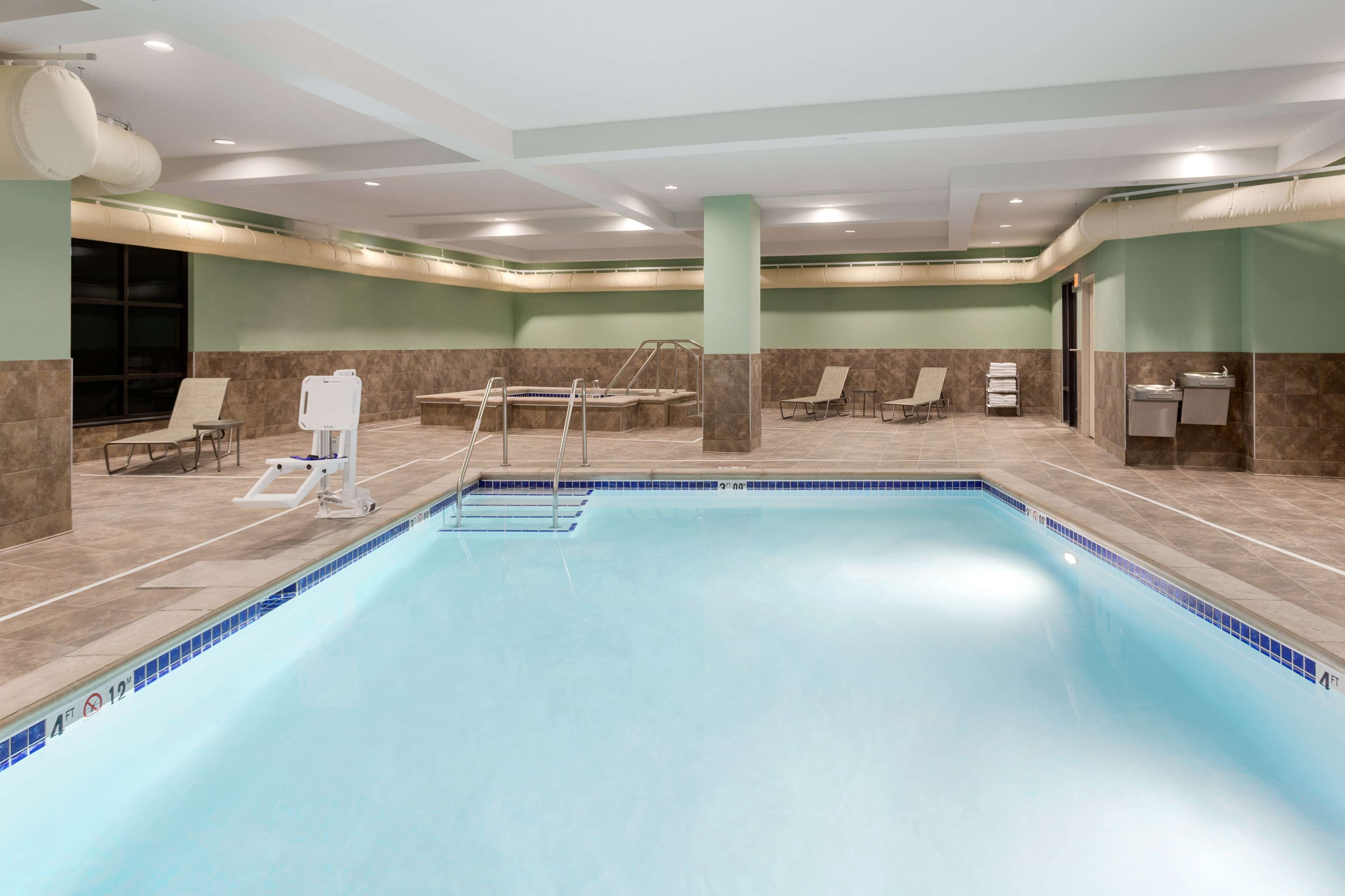 Hampton Inn & Suites West Des Moines/SW Mall Area image 6