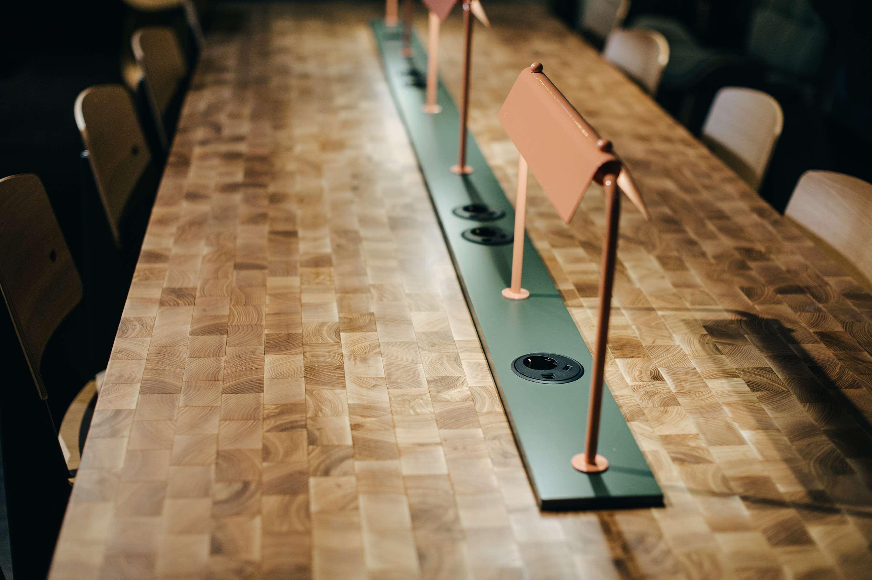 Lounge Table Sockets