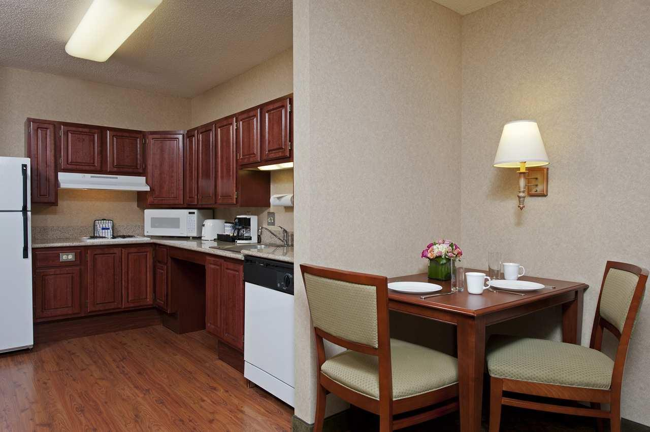 Homewood Suites by Hilton Chicago-Downtown image 11