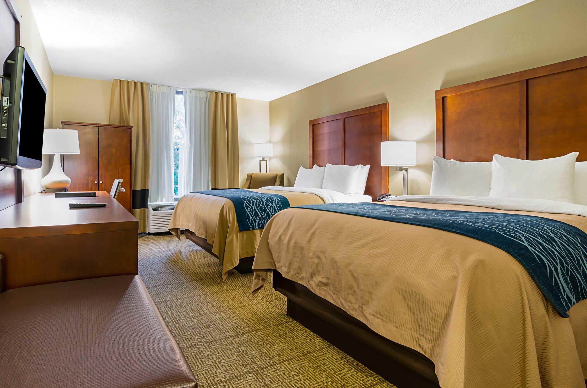 Comfort Inn & Suites Duke University-Downtown image 10