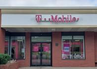 Exterior photo of T-Mobile Store at Mendon Rd & I-295, Cumberland, RI