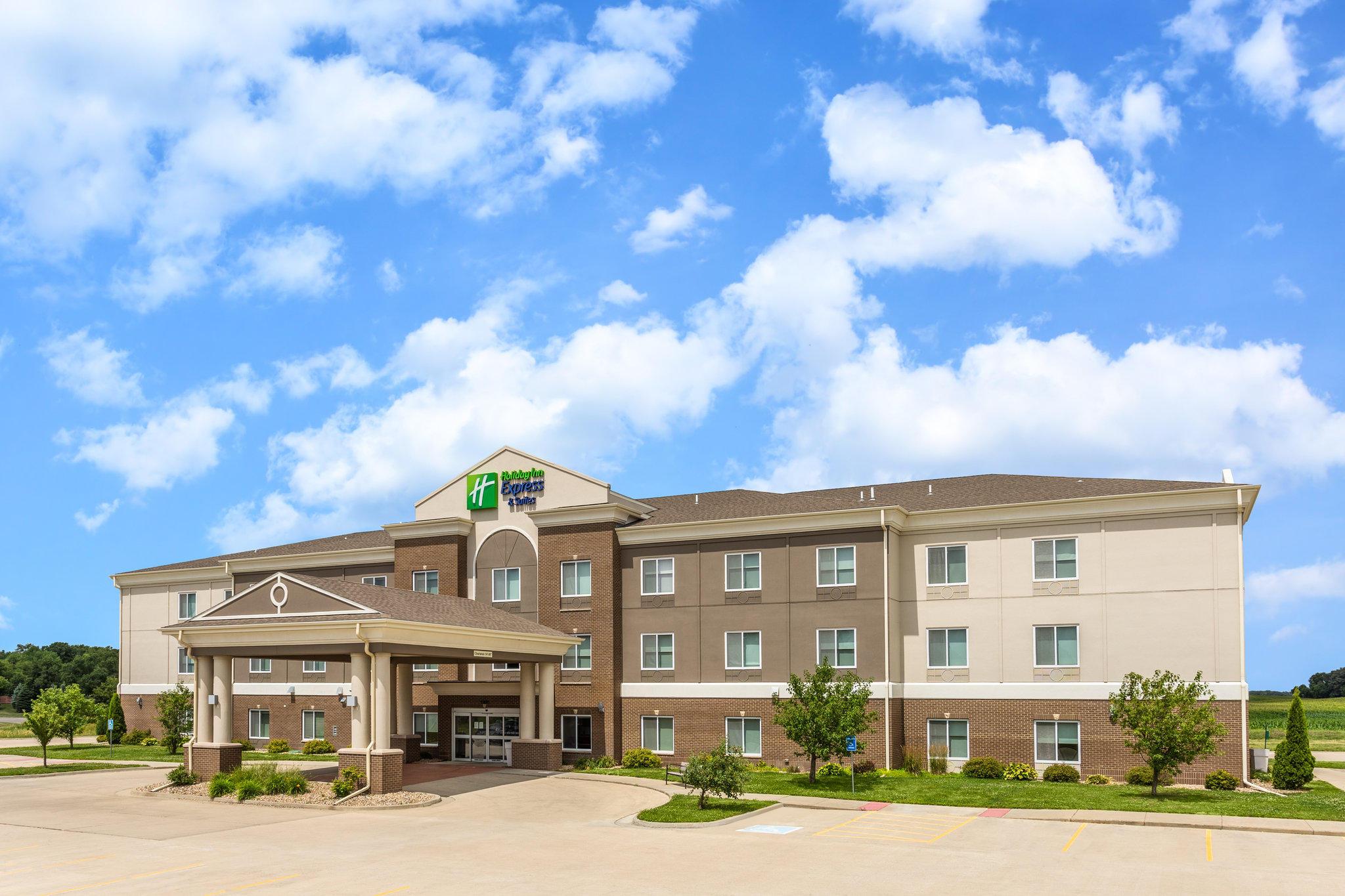 Holiday Inn Express & Suites Albert Lea - I-35, an IHG Hotel