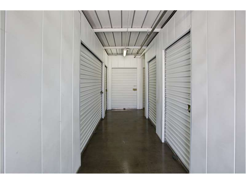 Extra Space Storage 2801 Thornton Ave Burbank, CA Warehouses Self Storage    MapQuest