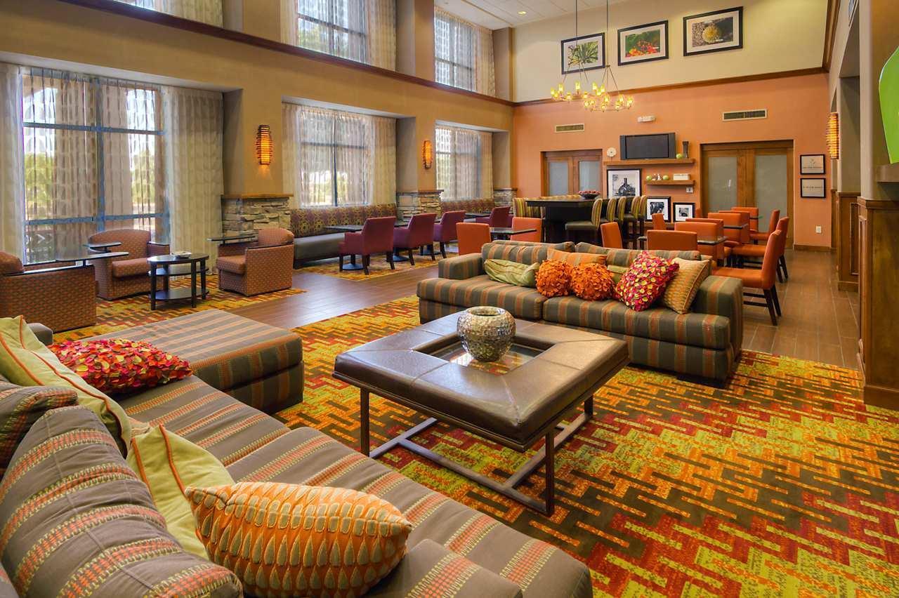 Hampton Inn & Suites Yuma image 3