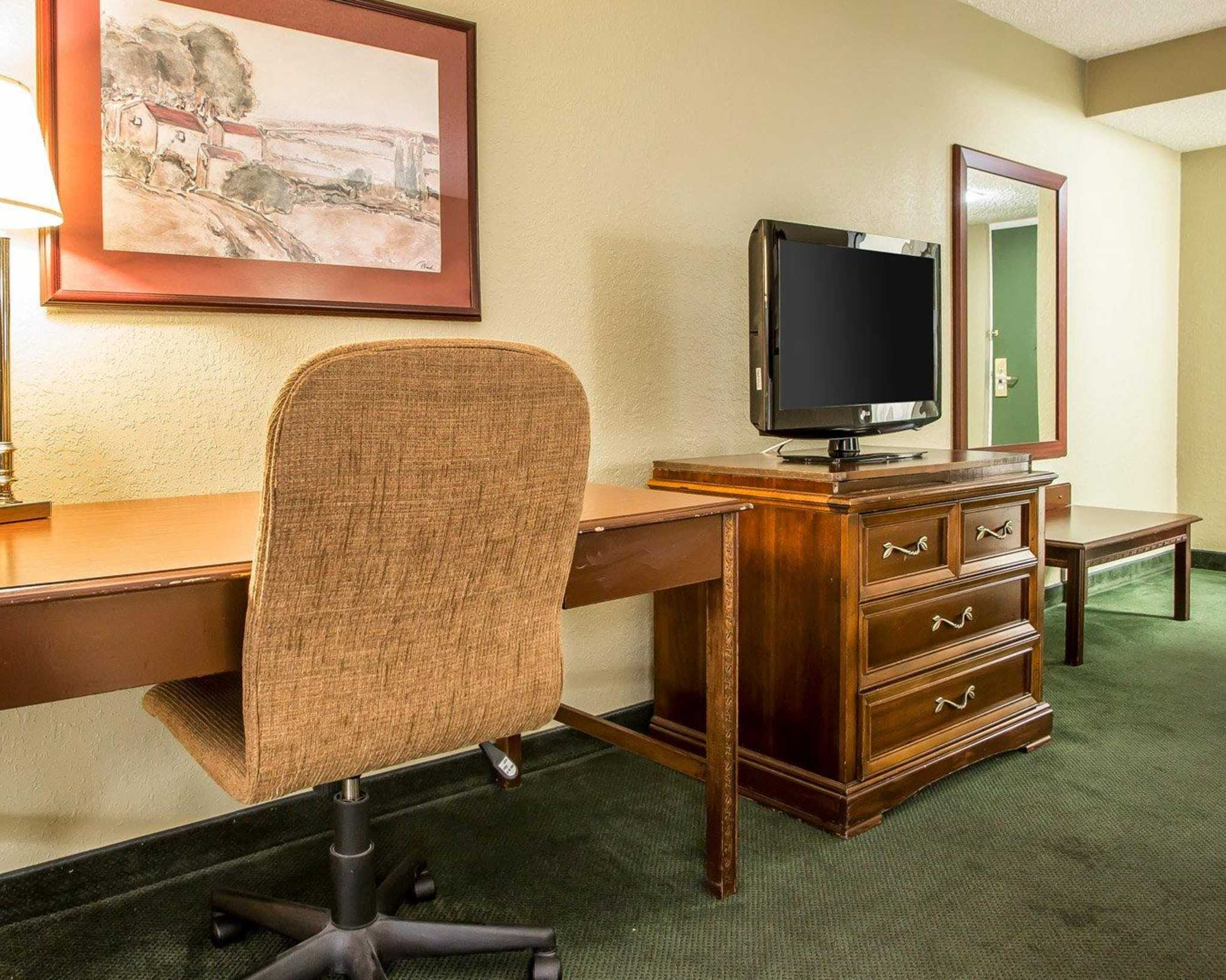 Clarion Hotel Highlander Conference Center image 4