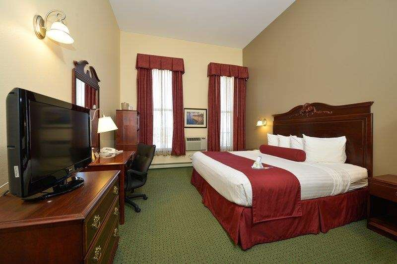 Best Western The Hotel Chequamegon image 3