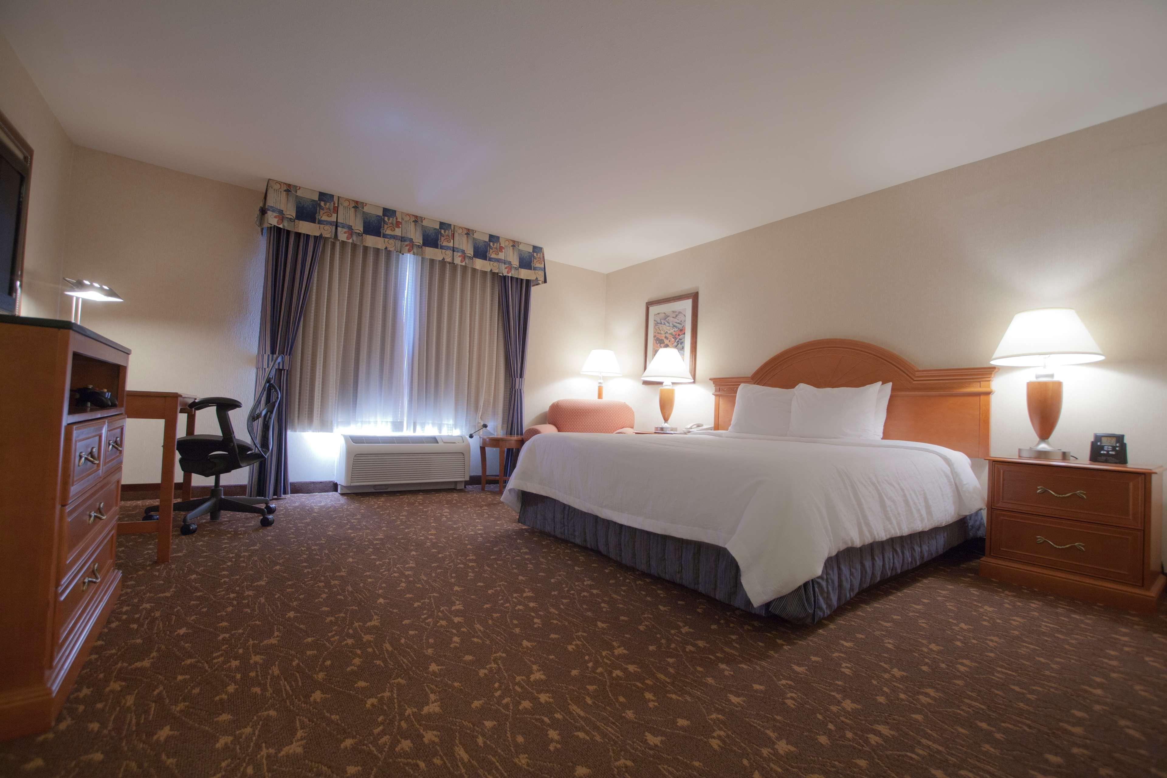 Hilton Garden Inn Albuquerque/Journal Center image 27