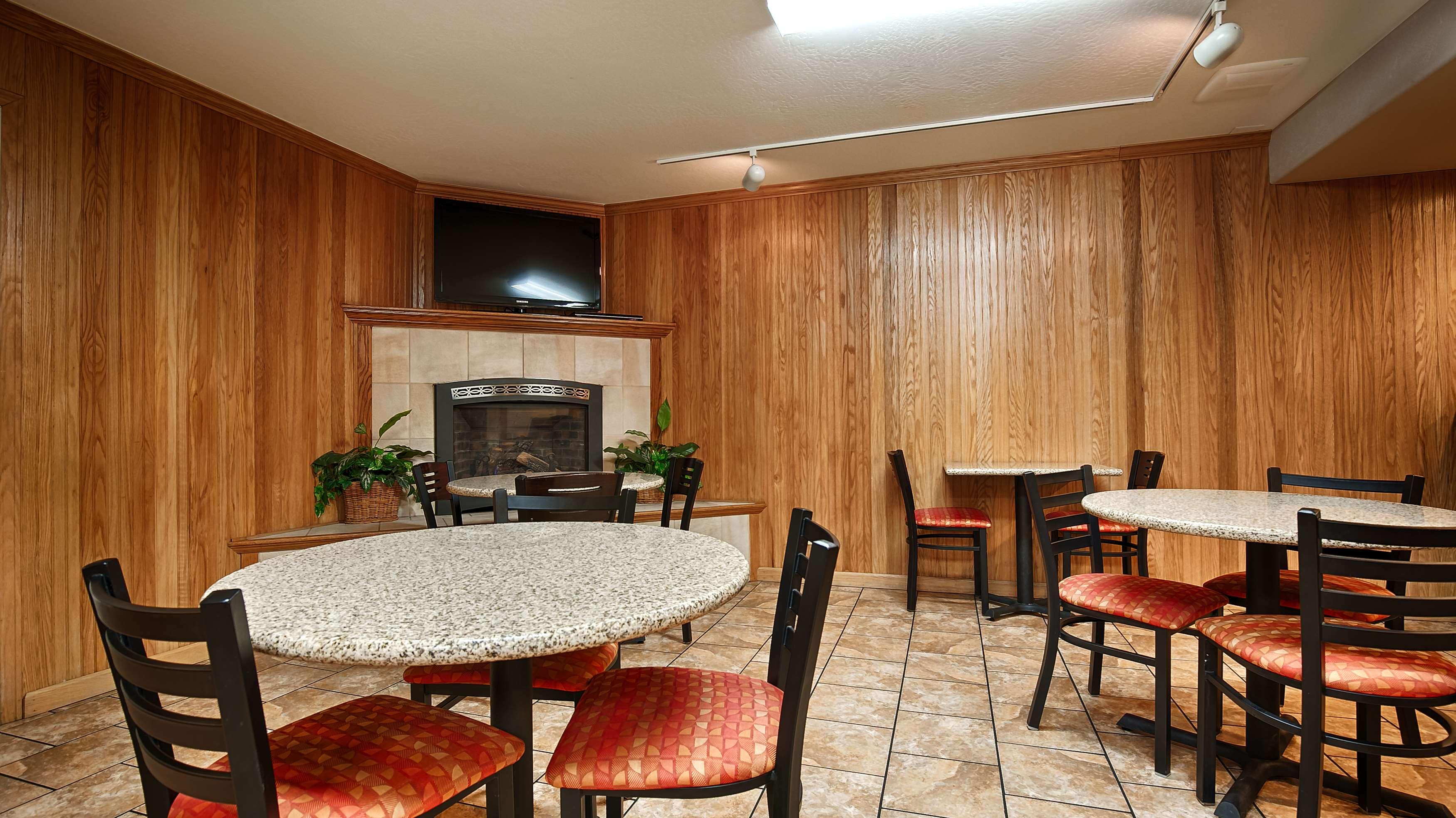 Best Western Plus Humboldt Bay Inn image 19