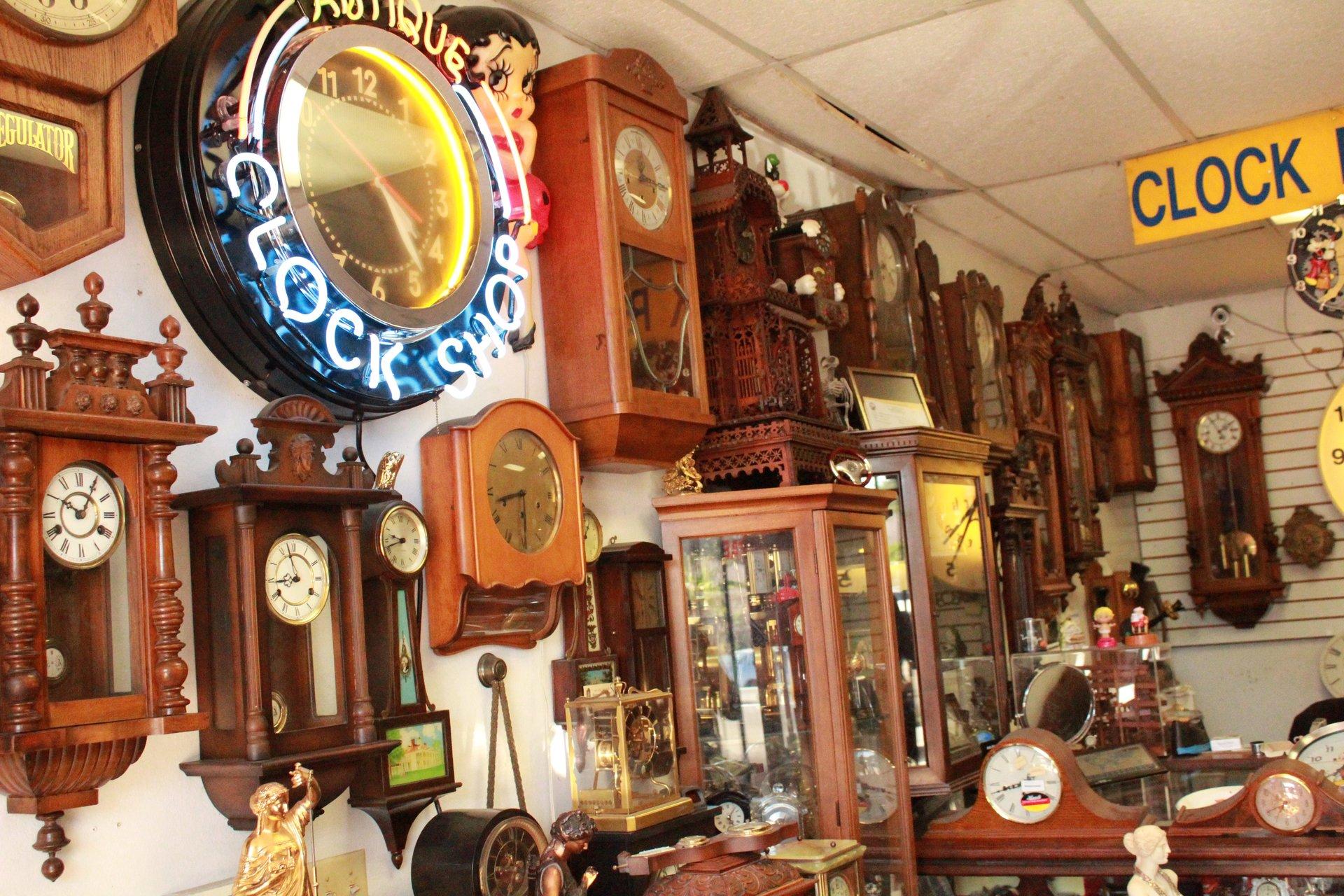 Antique Clock Gallery image 3