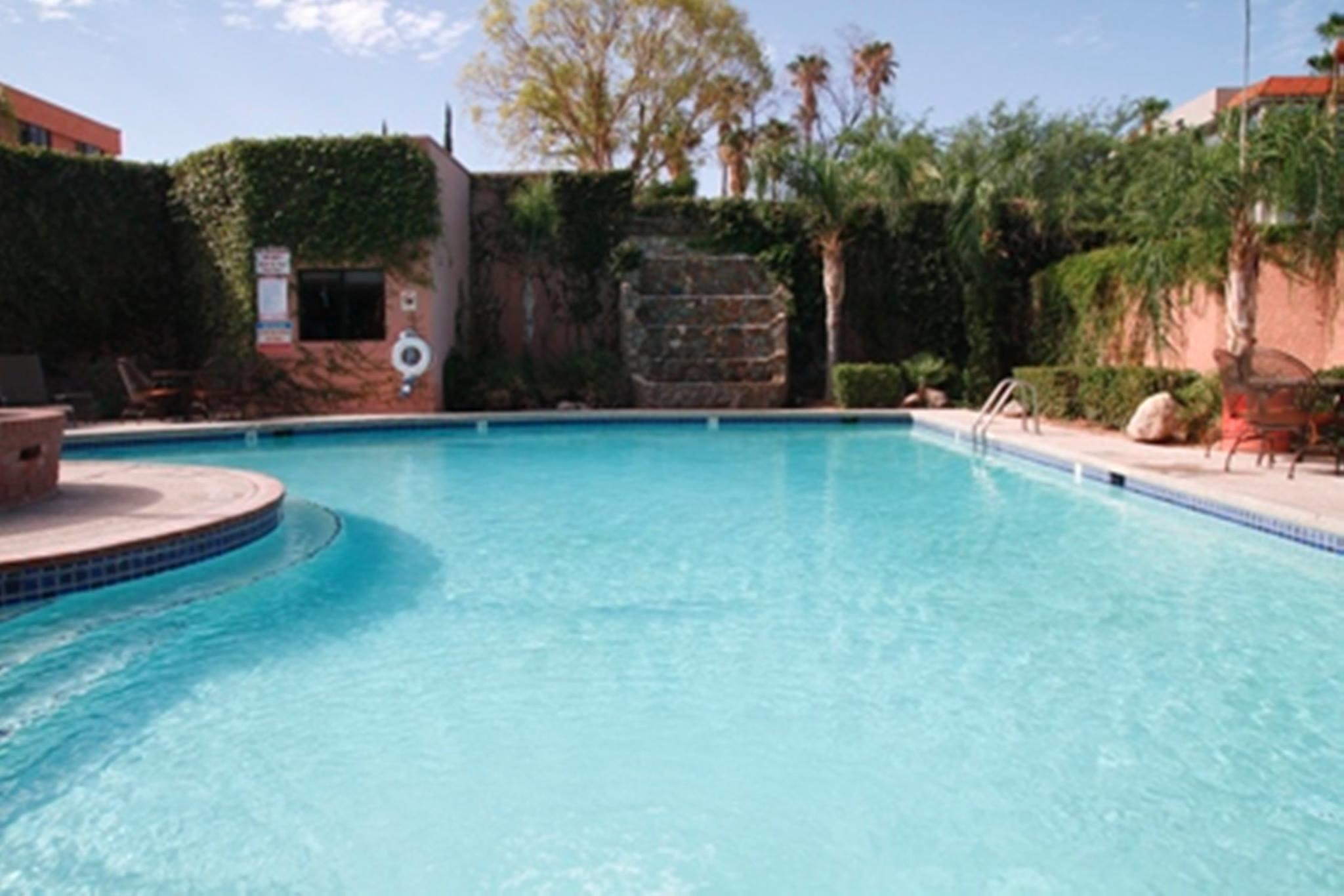 Viscount Suite Hotel image 13