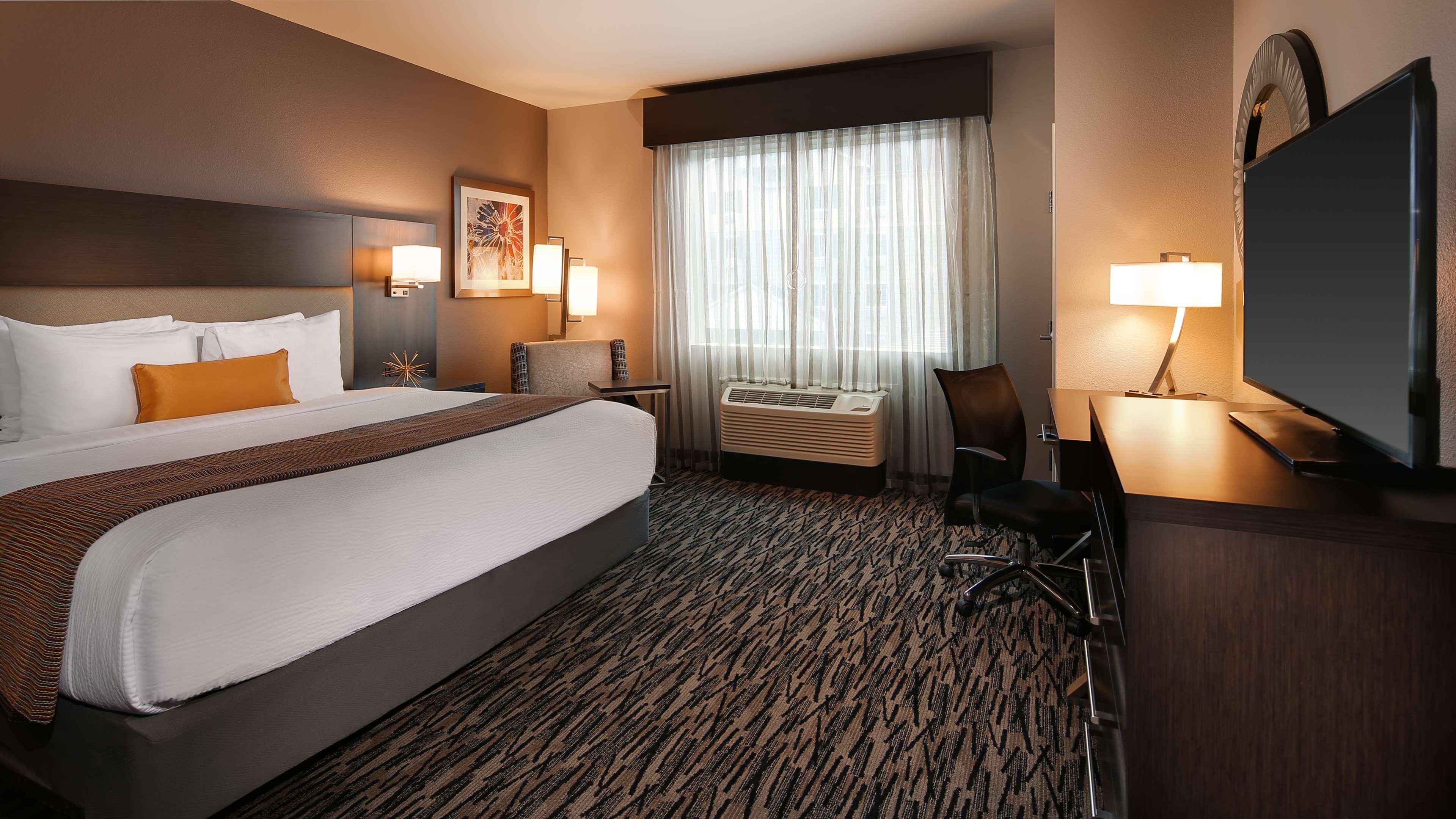 Best Western Plus Executive Residency Baytown image 31
