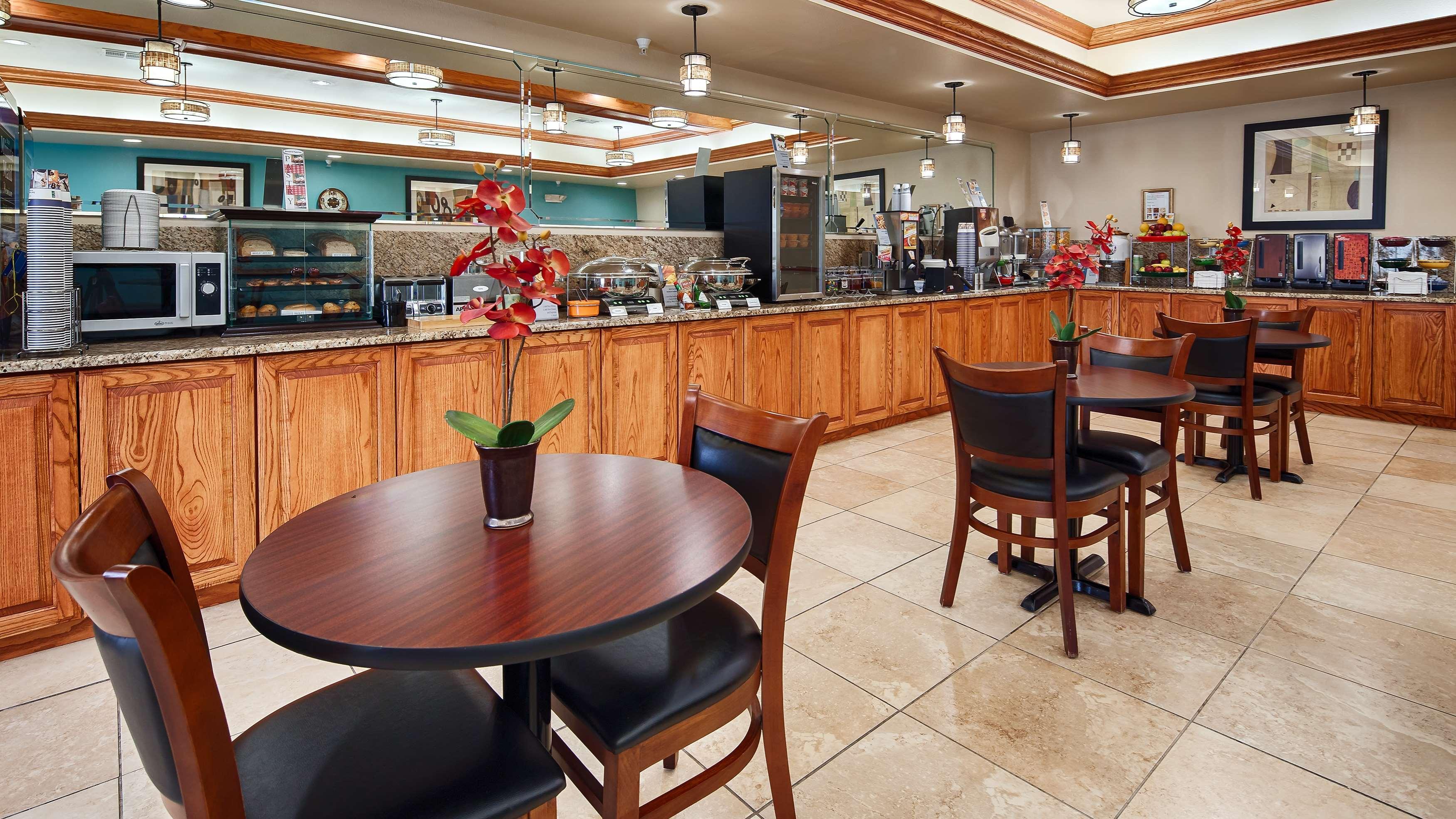 Best Western Plus Monahans Inn & Suites image 8