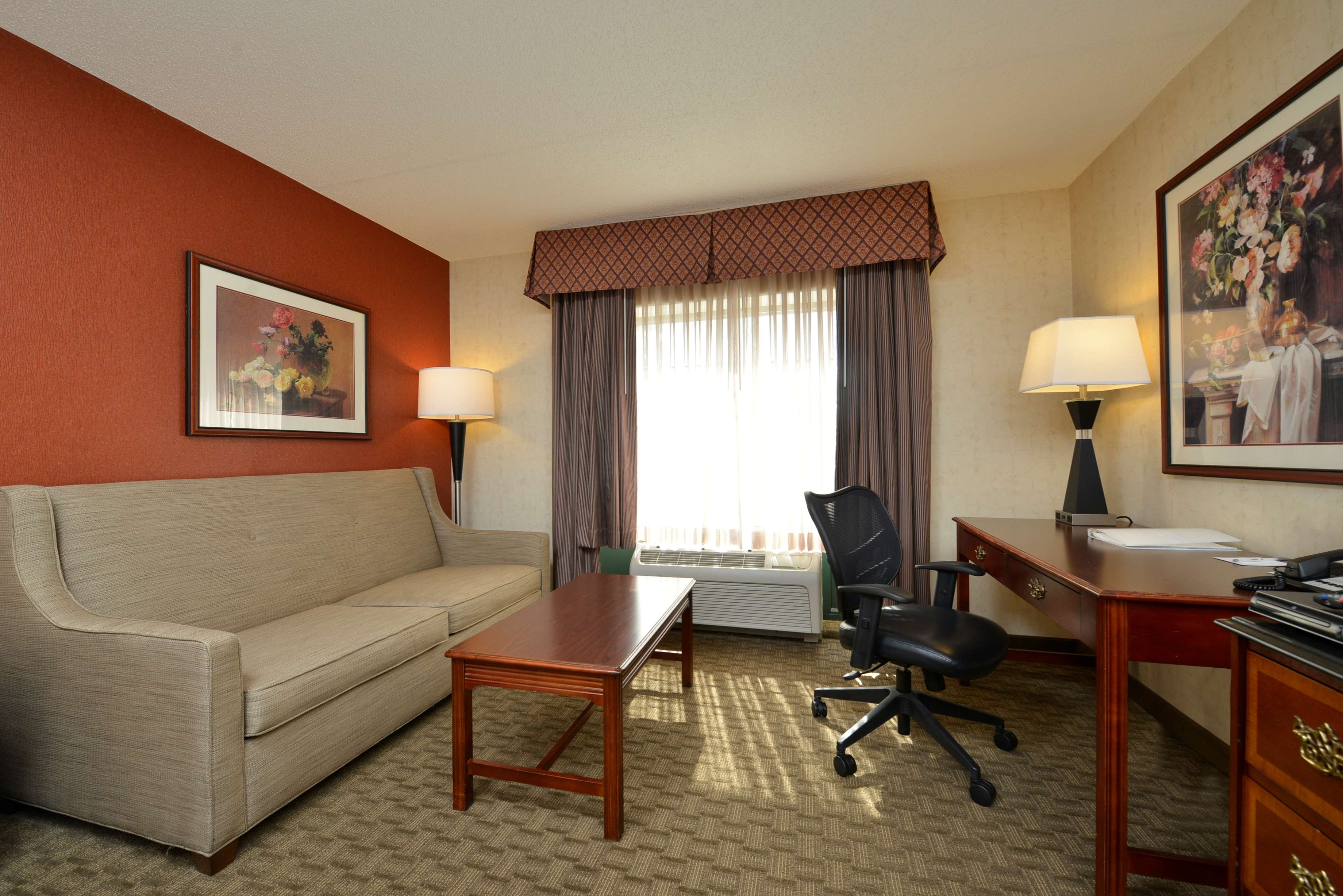 Hampton Inn East Aurora image 23