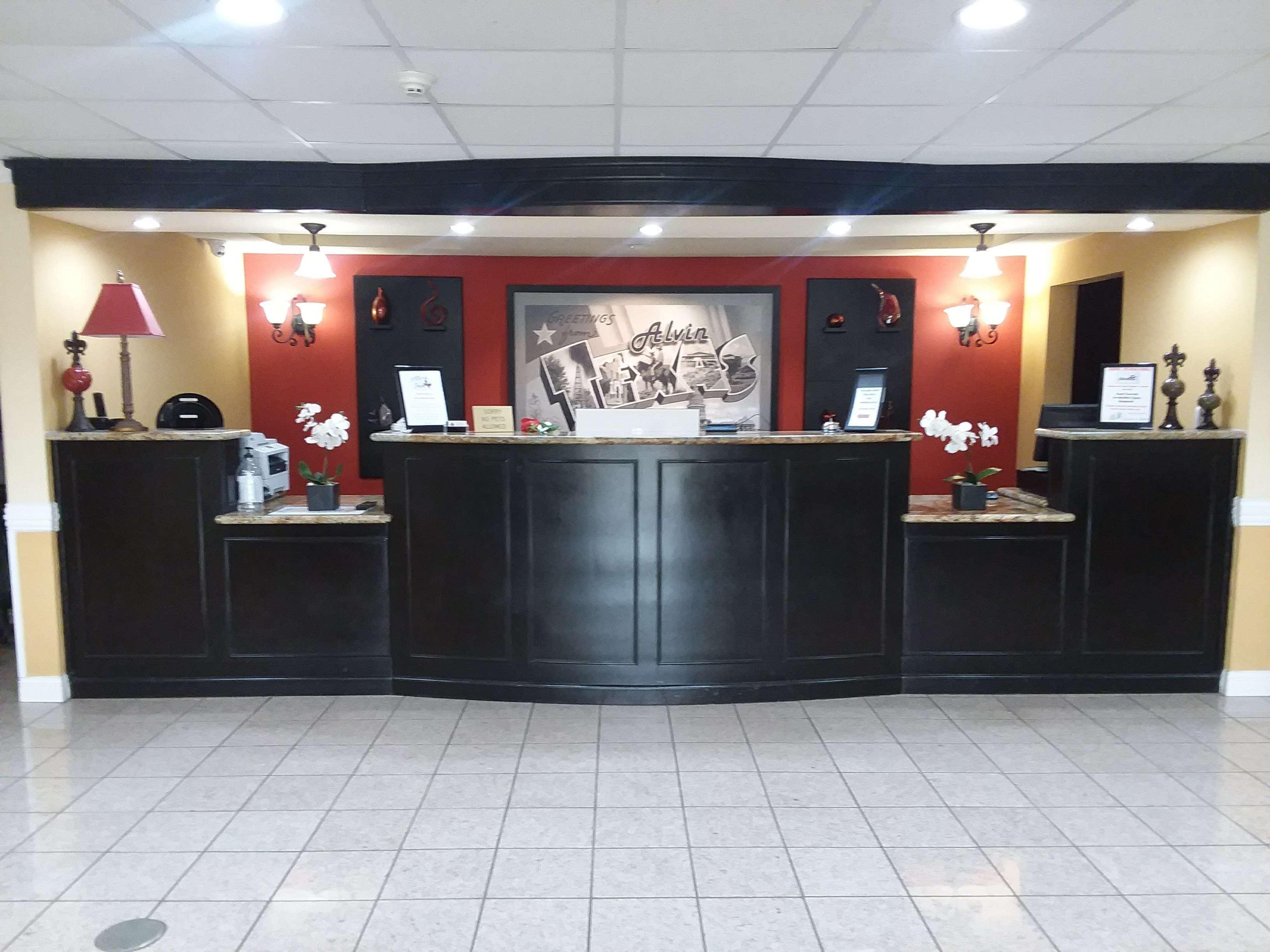 SureStay Plus Hotel by Best Western Alvin image 1