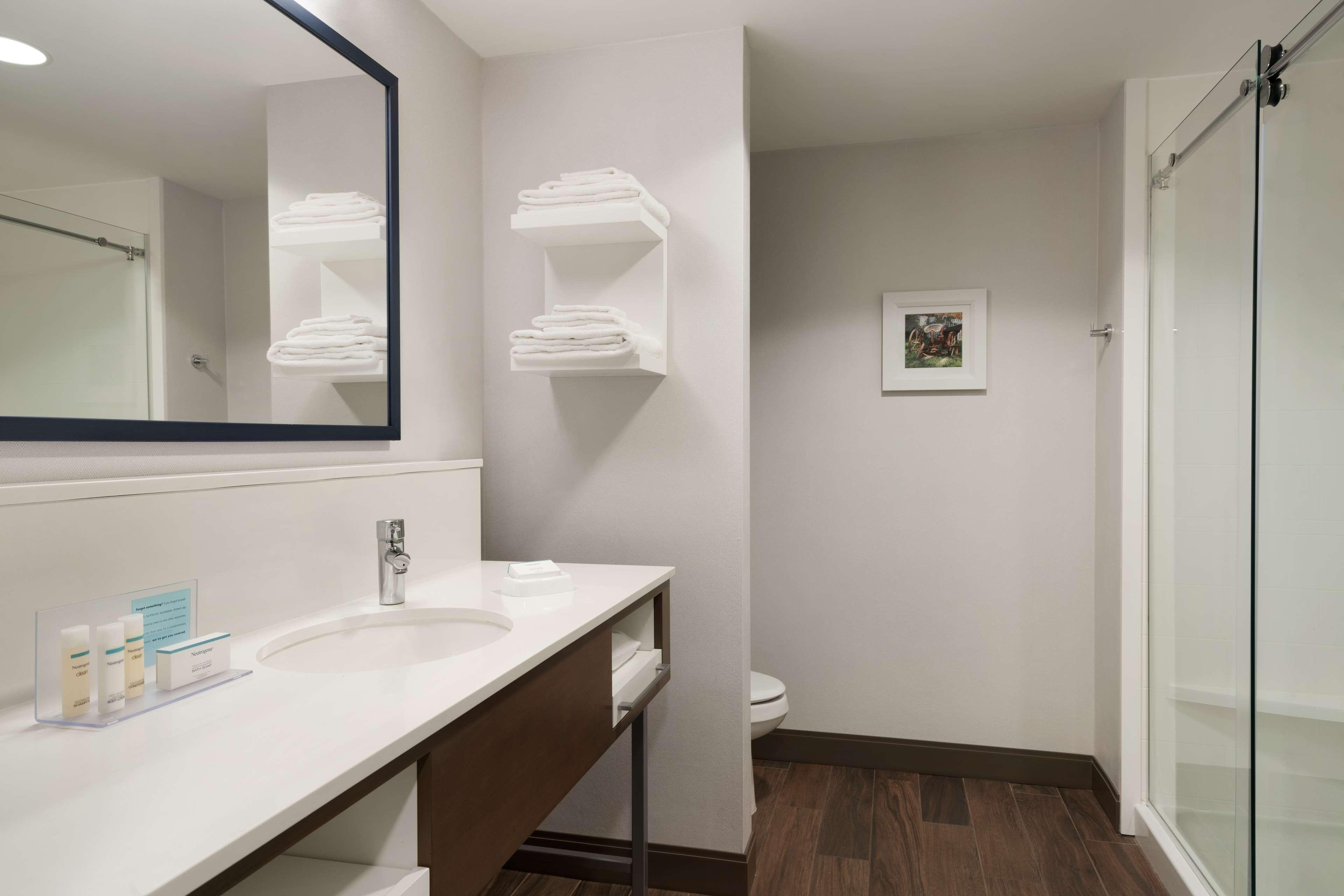 Hampton Inn & Suites Ephrata - Mountain Springs image 25