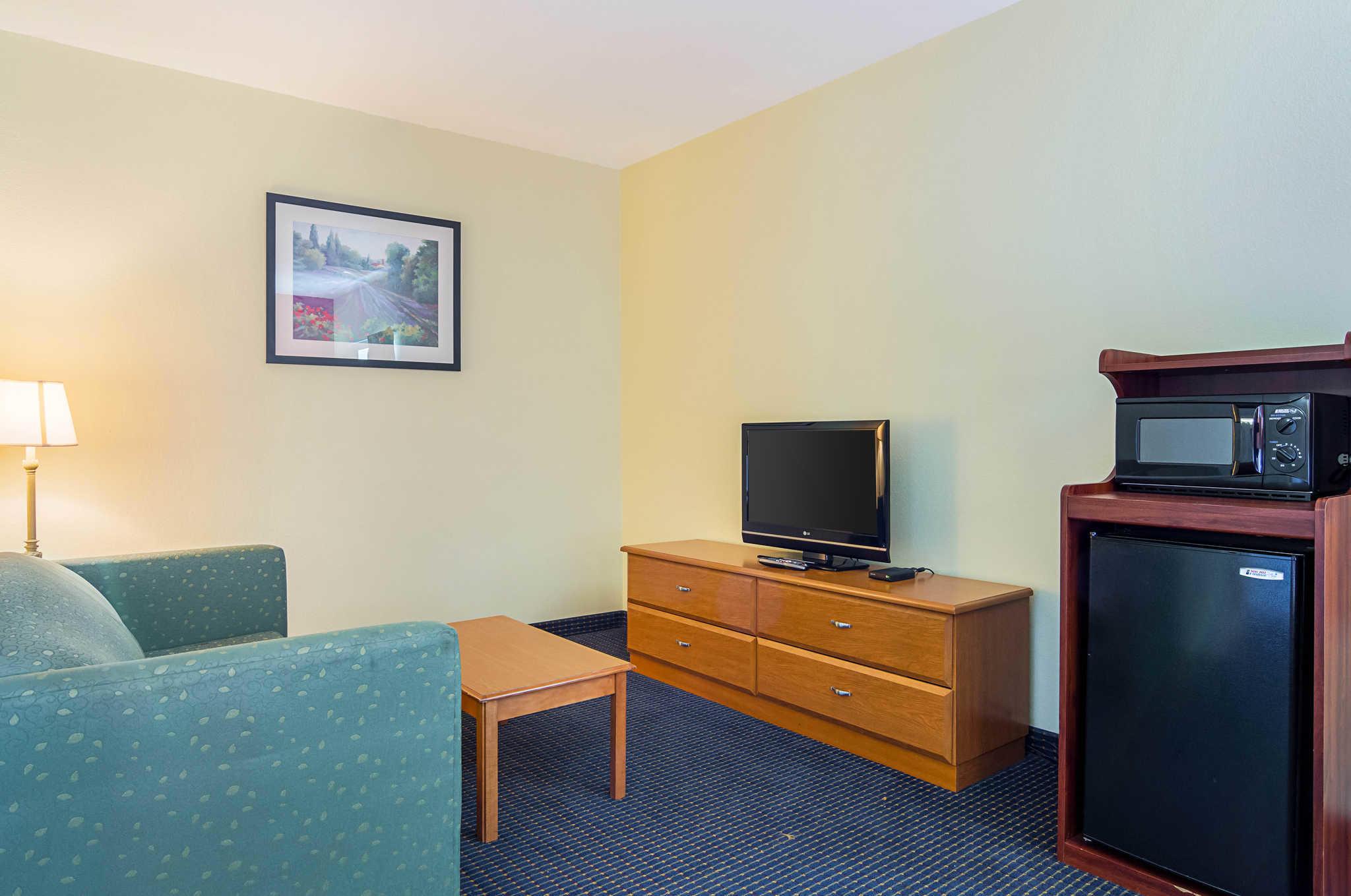Econo Lodge Inn & Suites Pritchard Road North Little Rock image 5