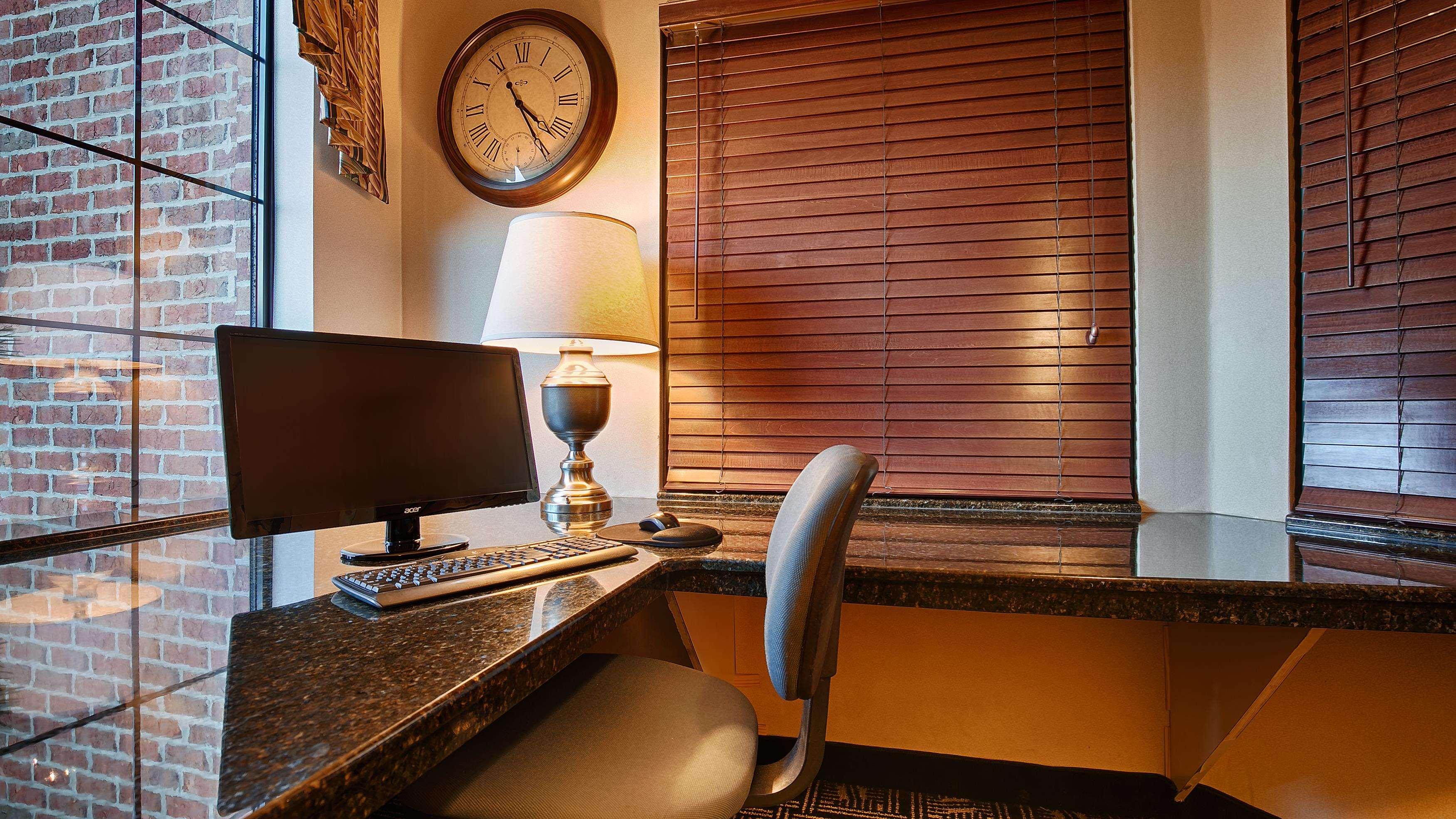 Best Western Plus Executive Hotel & Suites image 17