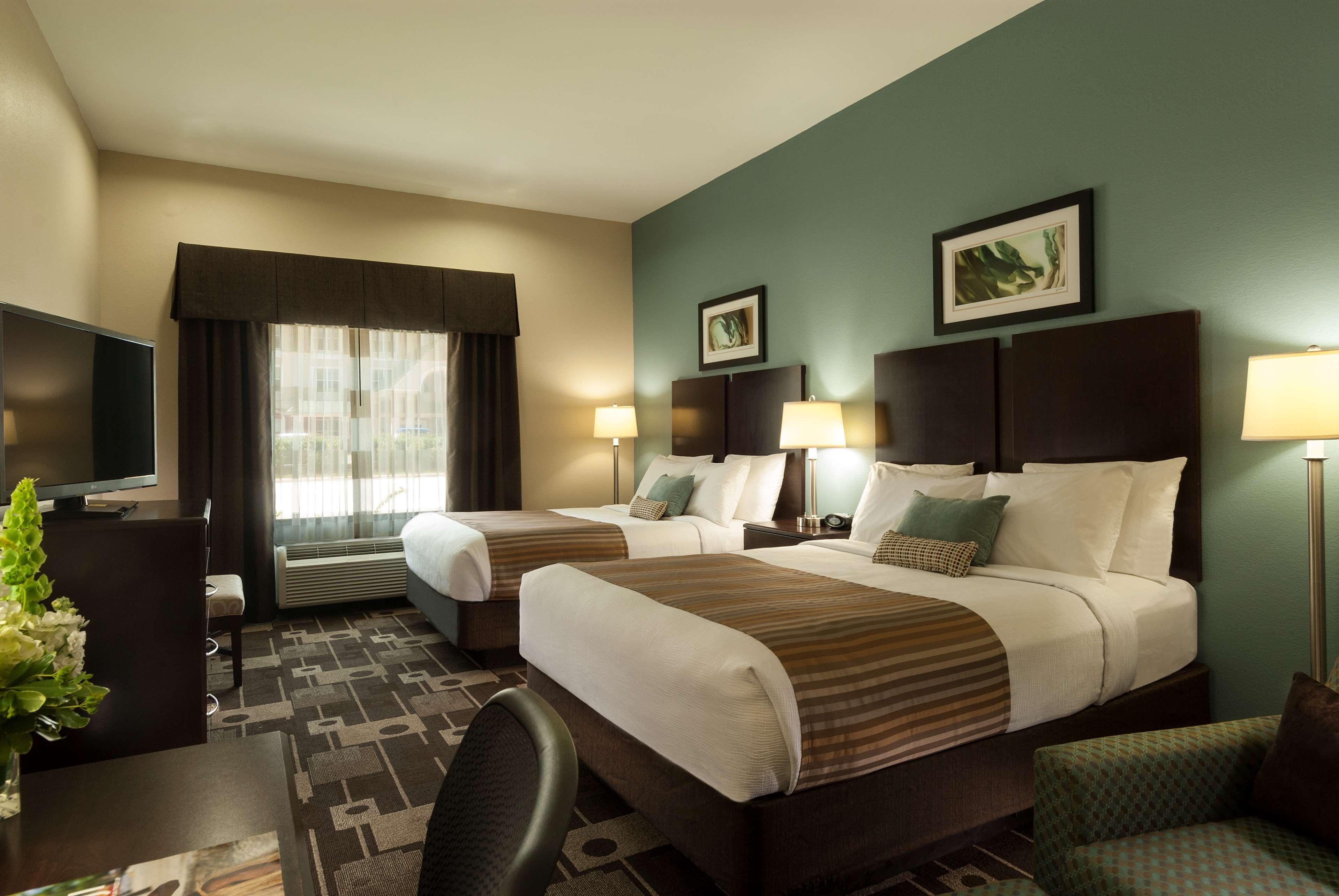 Best Western Plus JFK Inn & Suites image 6