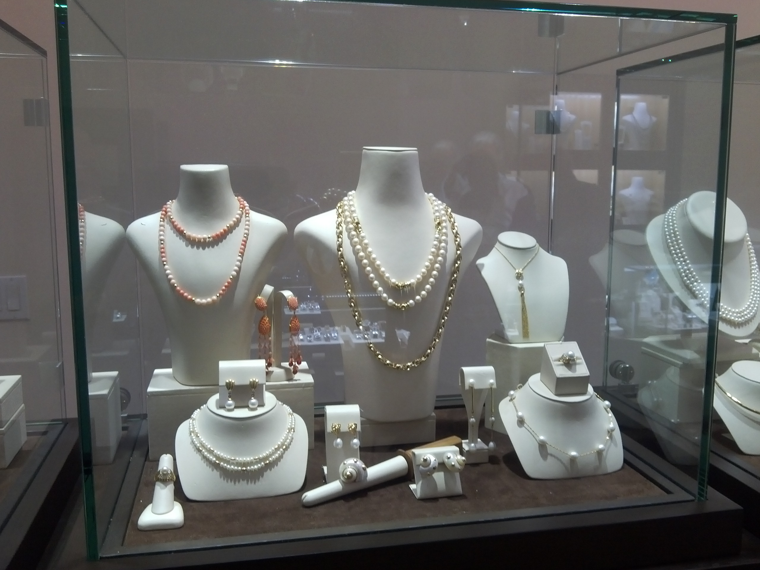 Snow's Jewelers image 5