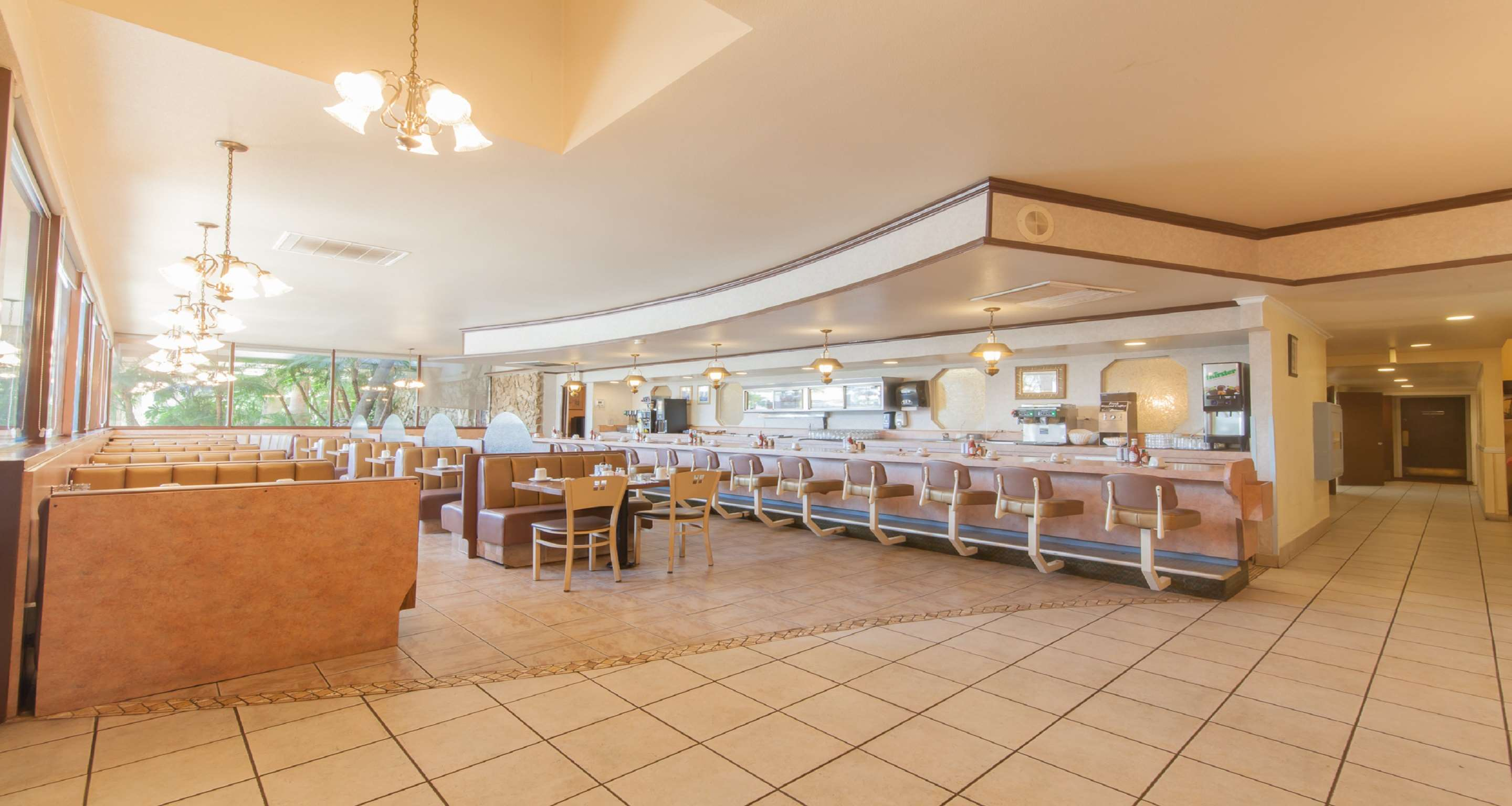 SureStay Plus Hotel by Best Western Bakersfield North image 3