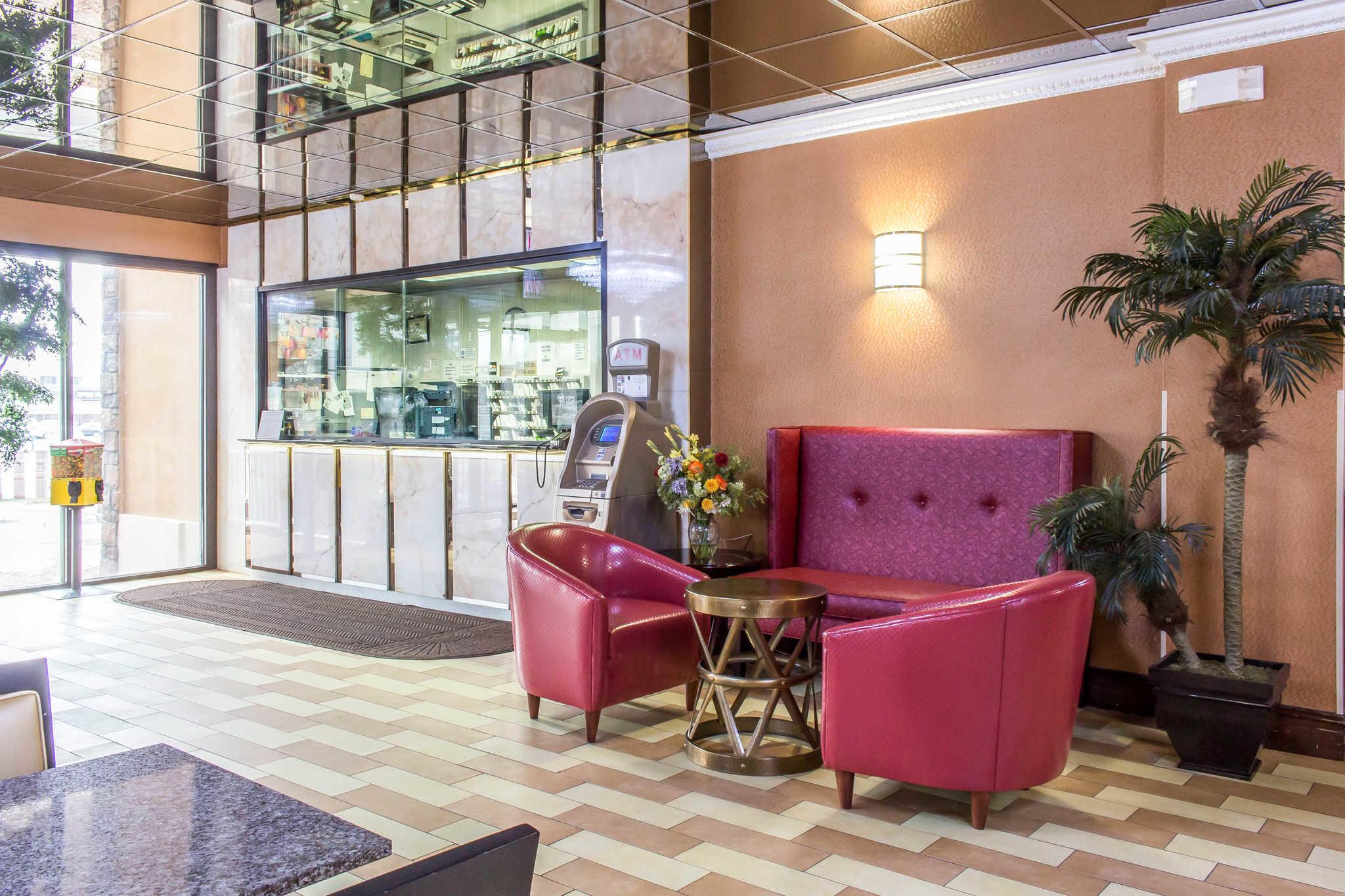 Rodeway Inn Capri image 2