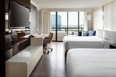 Irvine Marriott image 3