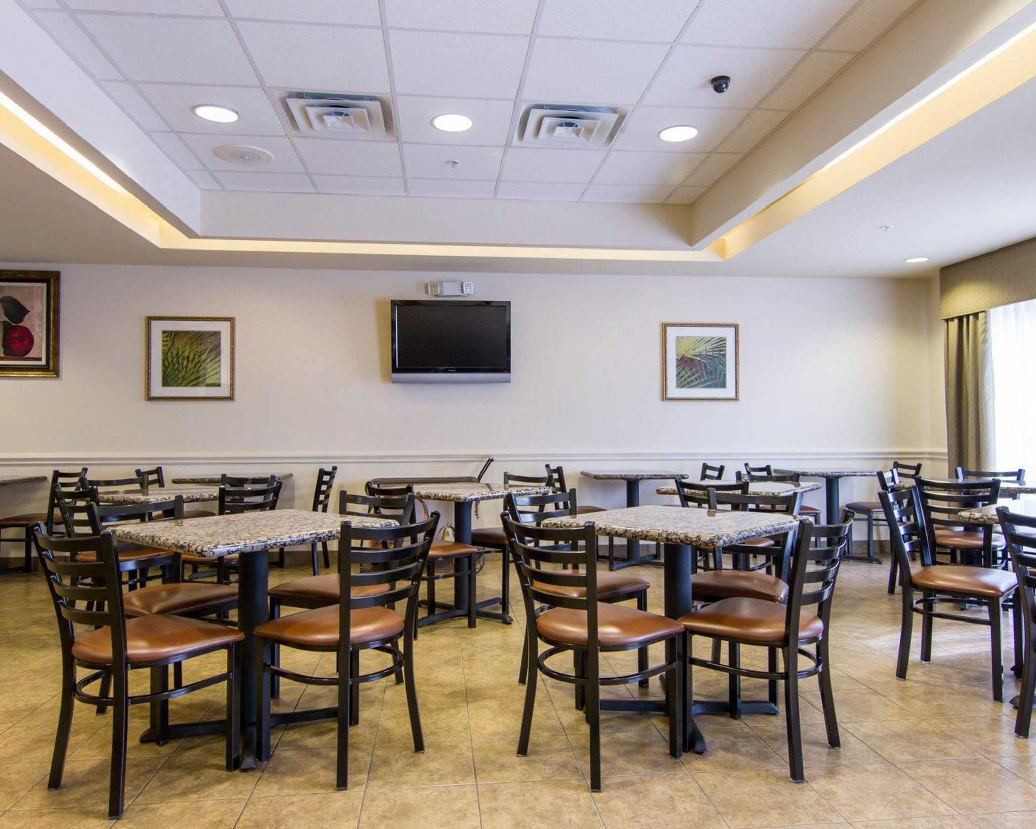 Comfort Inn & Suites Airport image 22
