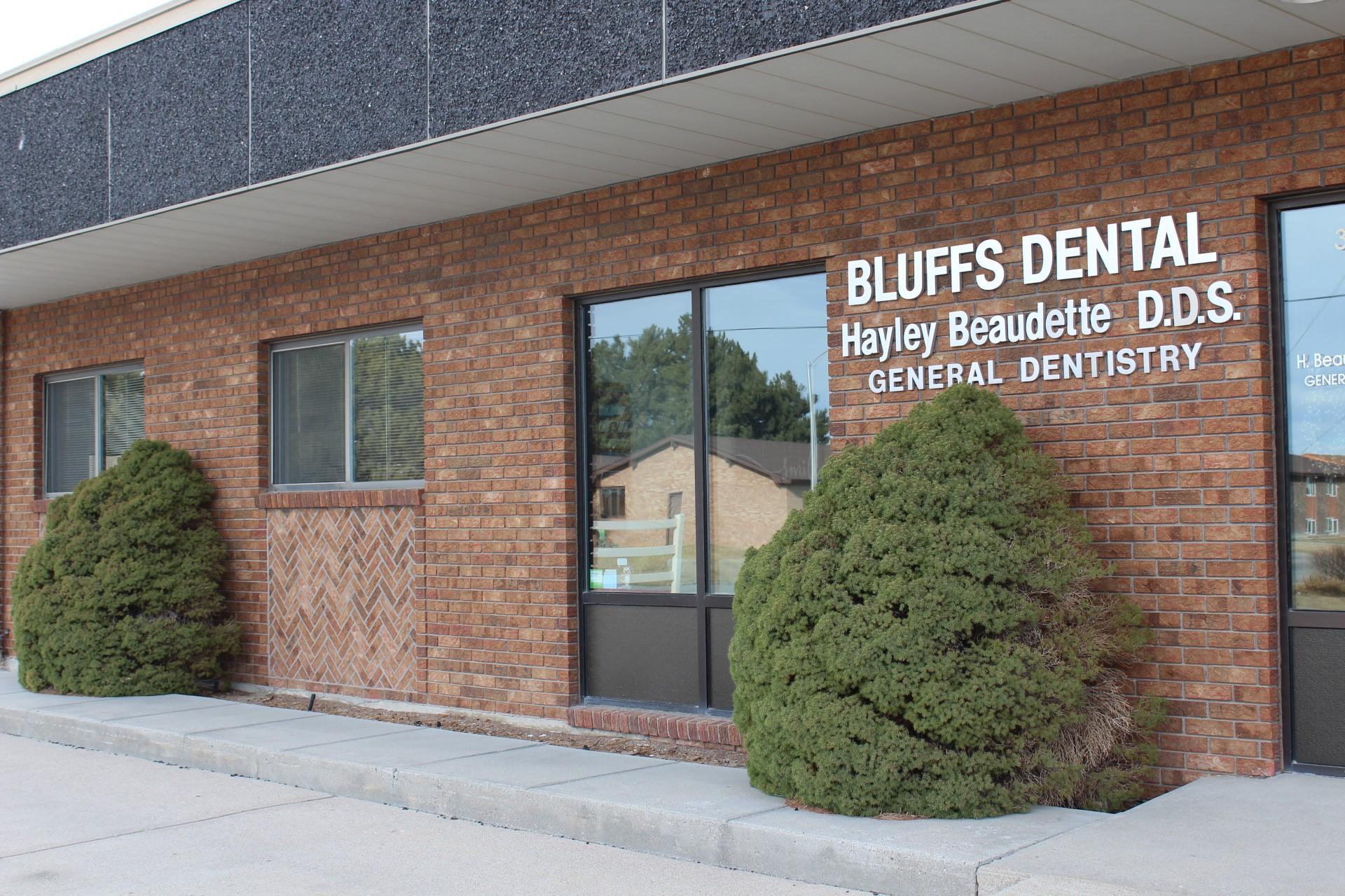 Bluffs Dental image 2