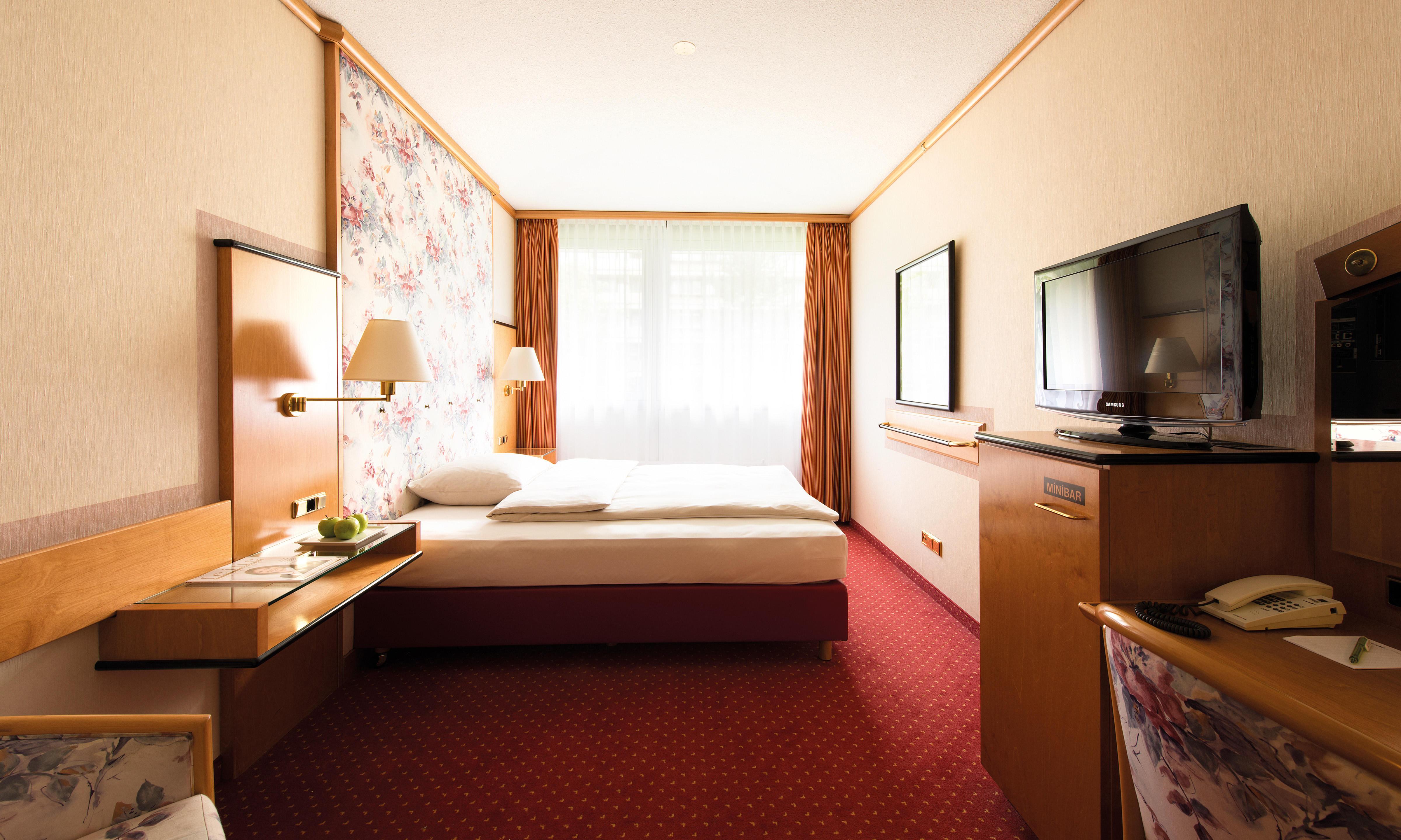 living hotel am deutschen museum m nchen rablstra e 10. Black Bedroom Furniture Sets. Home Design Ideas