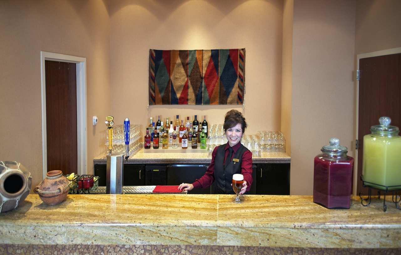 Embassy Suites by Hilton Albuquerque Hotel & Spa image 7
