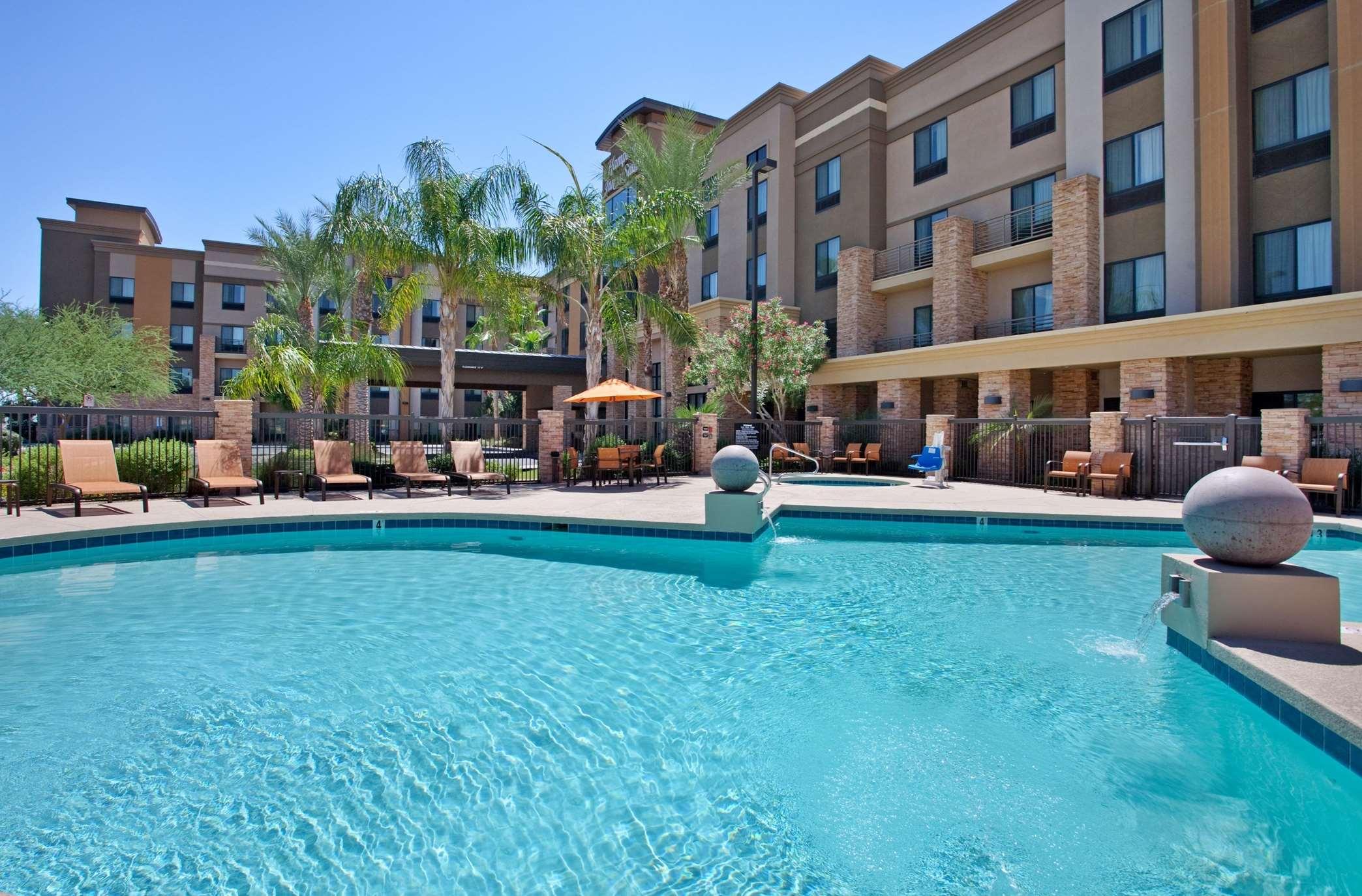 Hampton Inn & Suites Phoenix Glendale-Westgate image 19