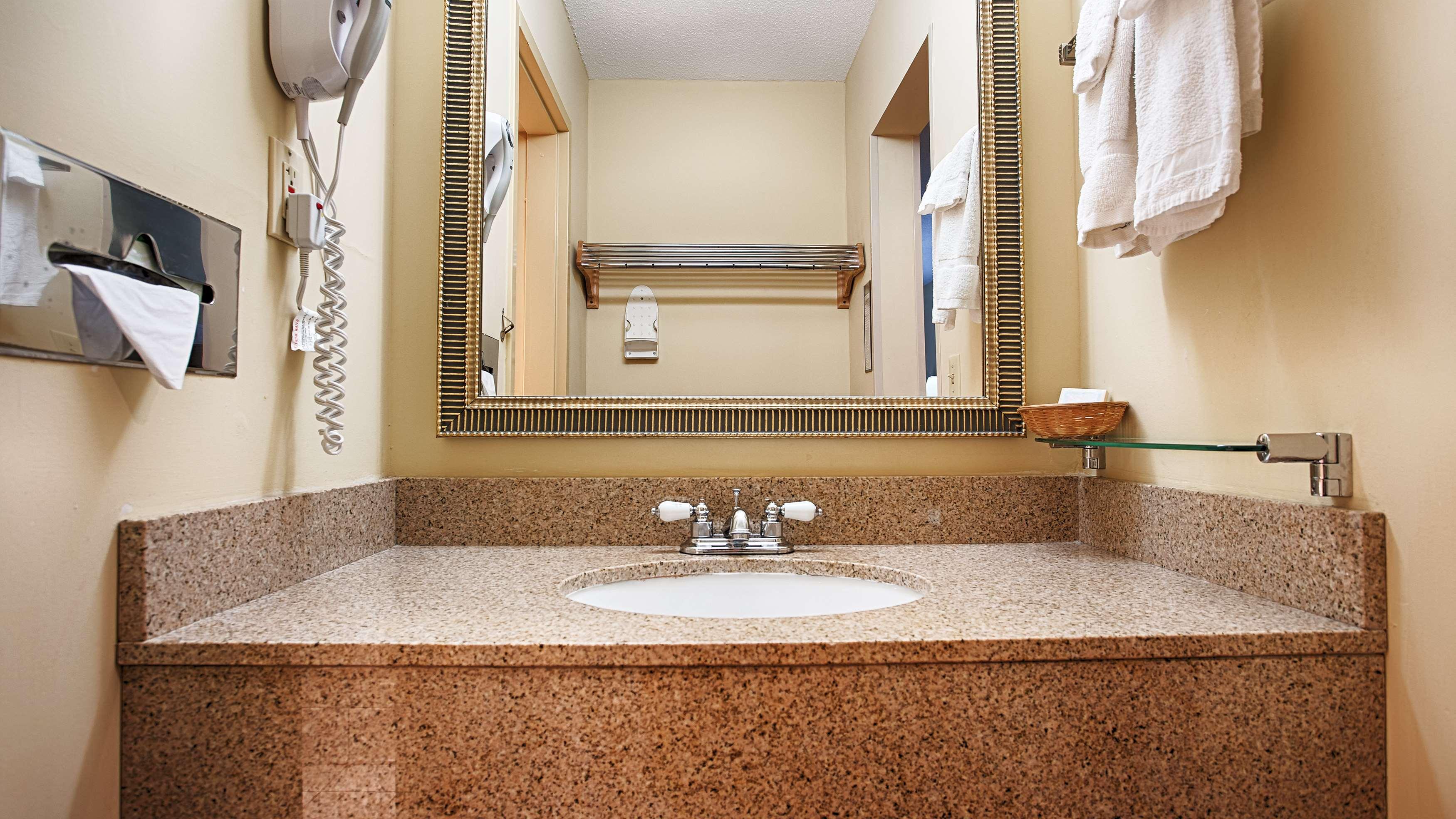 Best Western West Greenwich Inn image 11
