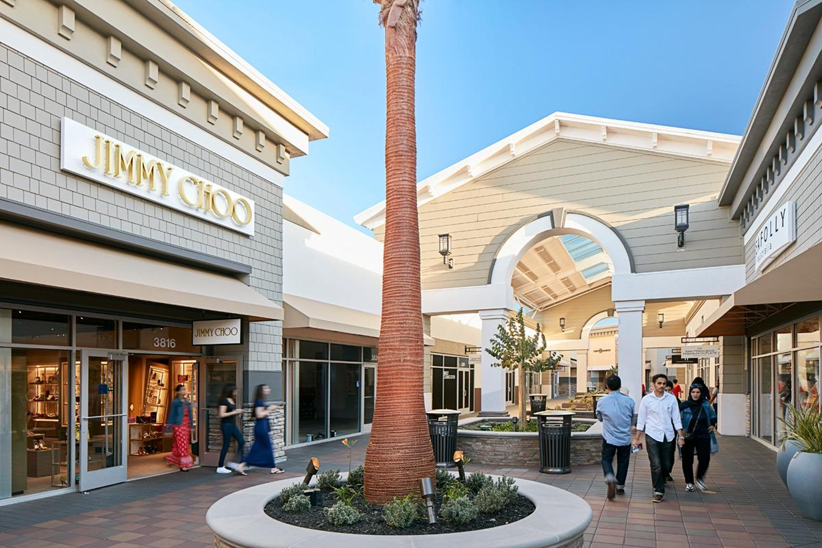 It is a bit of a farce that they renamed this to San Francisco Premium Outlets though it's not remotely near San Francisco. Good sized outlet offering some of the best shopping experiences. Stores at San Francisco Premium Outlets provides the perfect one stop /5(1K).