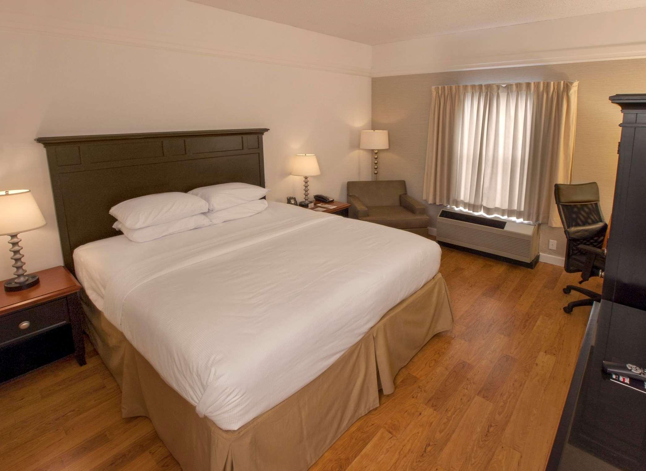 DoubleTree by Hilton Hotel Buffalo - Amherst image 16