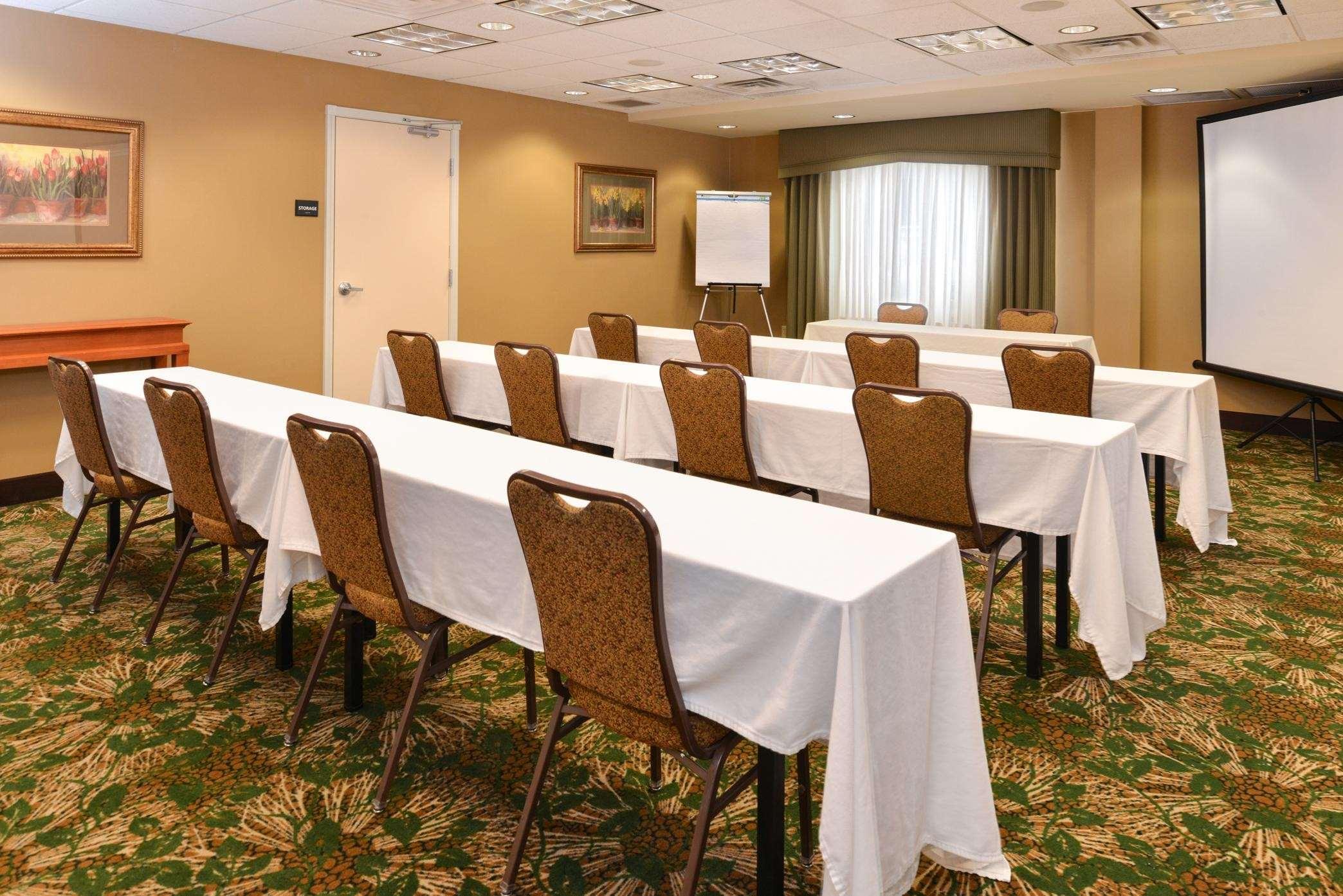 Hampton Inn & Suites Casper image 6