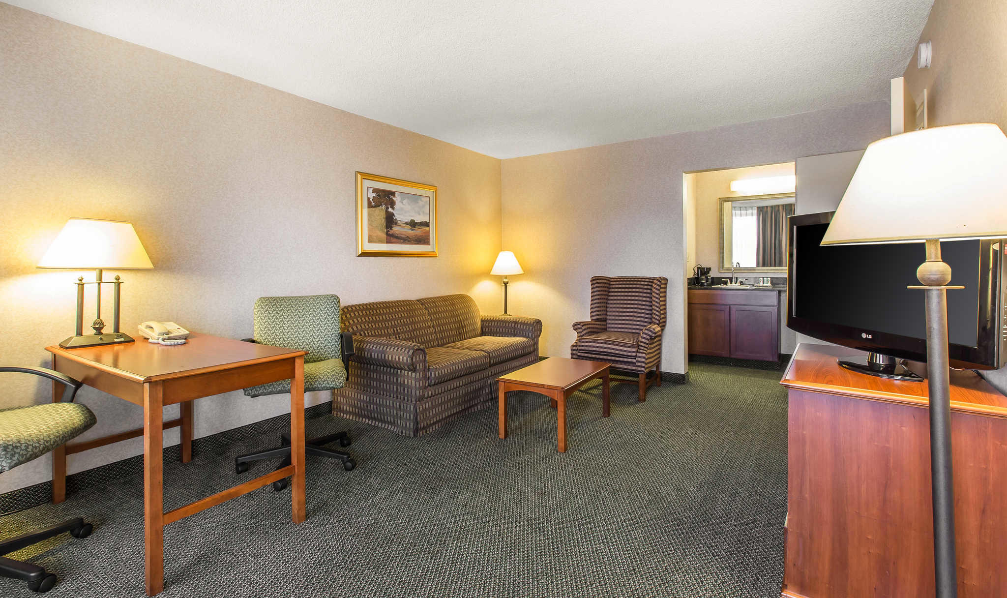 Quality Inn & Suites Conference Center image 17