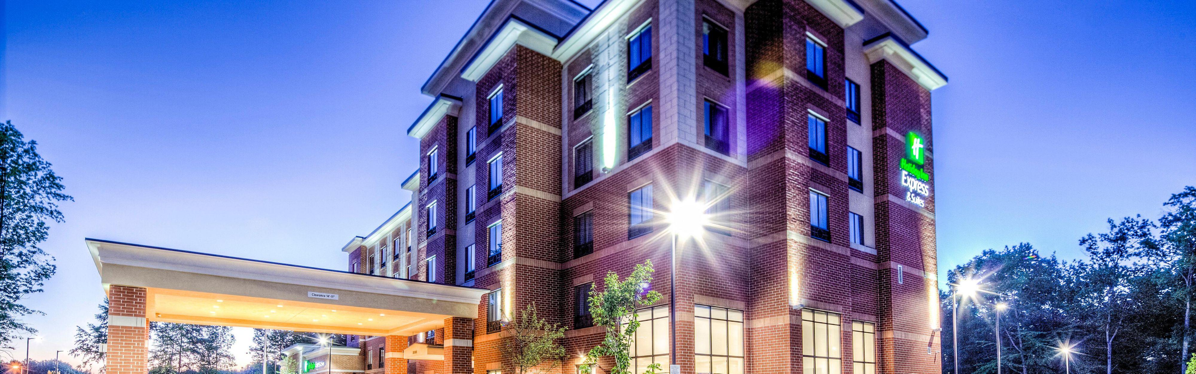 Holiday Inn Express & Suites Cleveland West - Westlake image 0