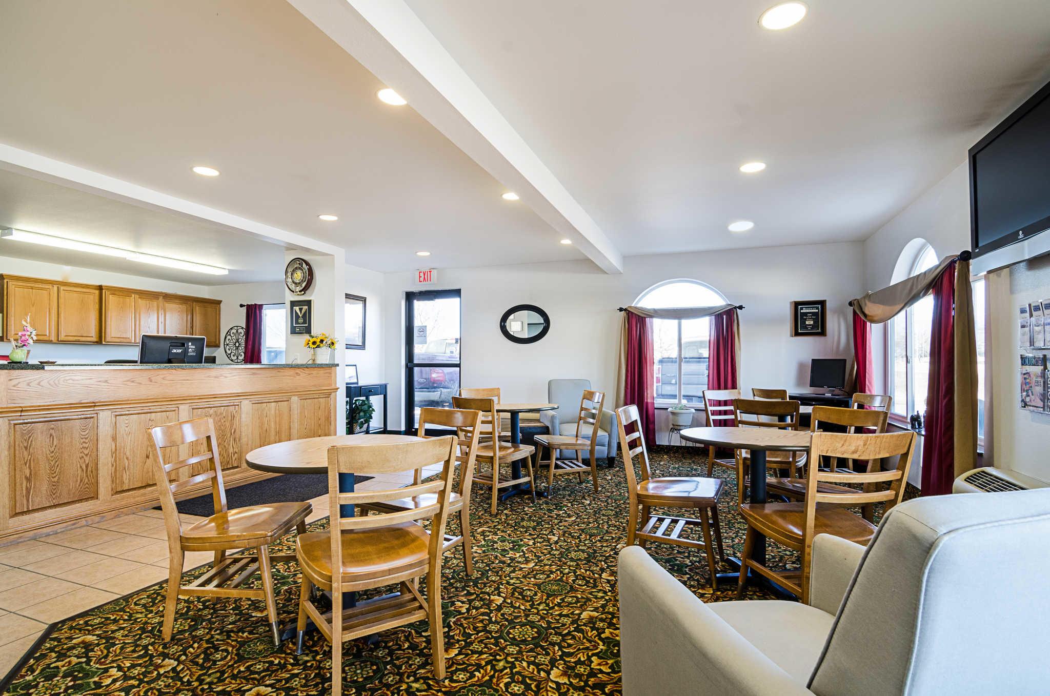 Rodeway Inn image 7