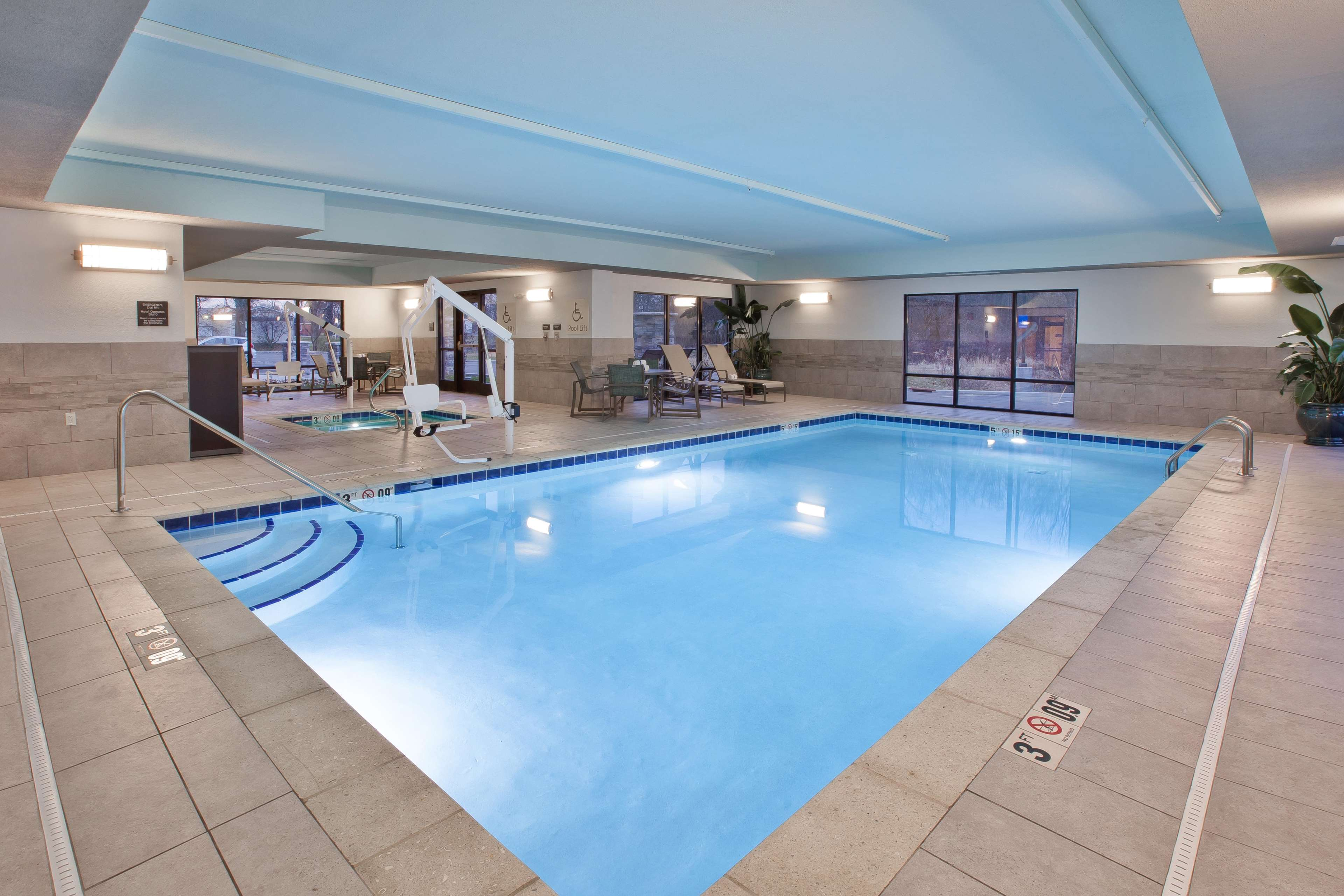 Hampton Inn & Suites Alliance image 5