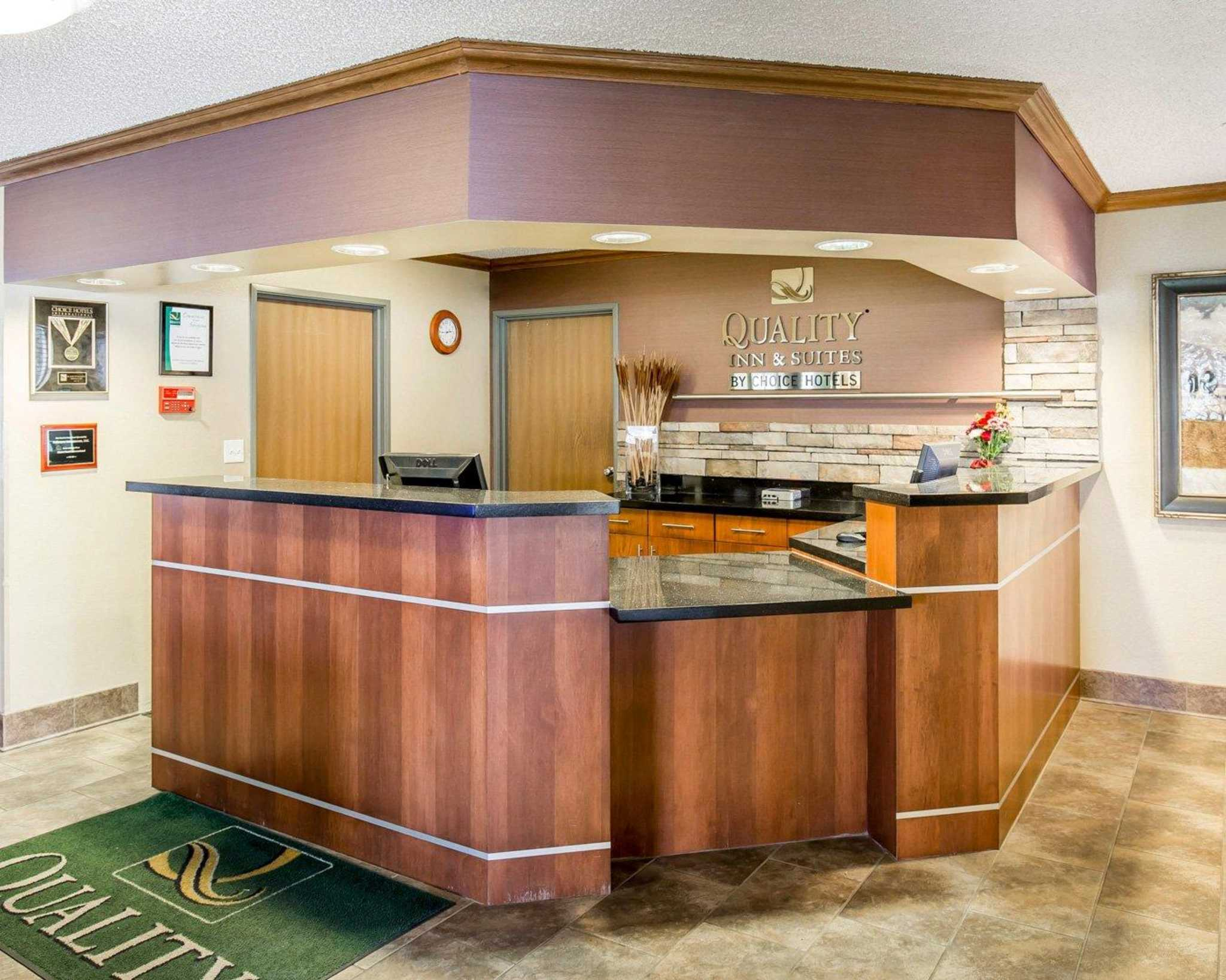 Quality Inn & Suites image 11