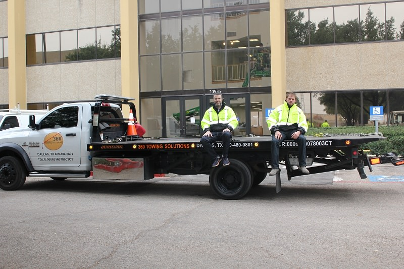 360 Towing Solutions image 1