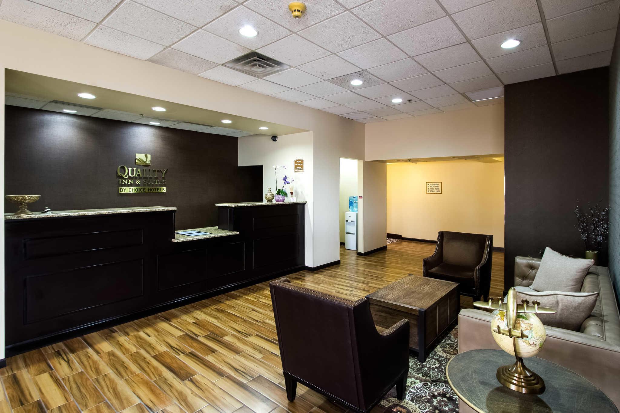 Quality Inn & Suites Moline - Quad Cities image 2