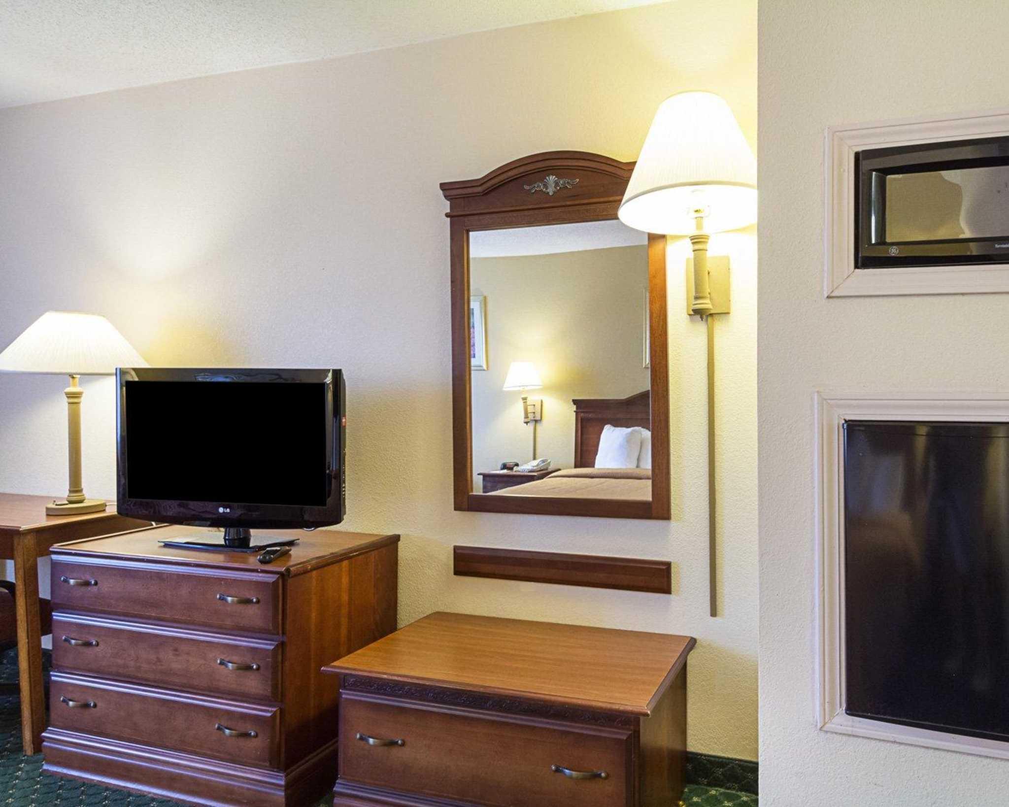 Quality Inn & Suites Southwest image 10