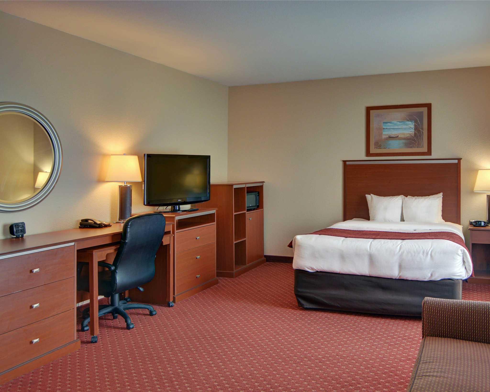 Comfort Suites Near Cedar Creek Lake image 28