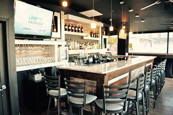 Long Island Brownstown Bistro & Bar image 5