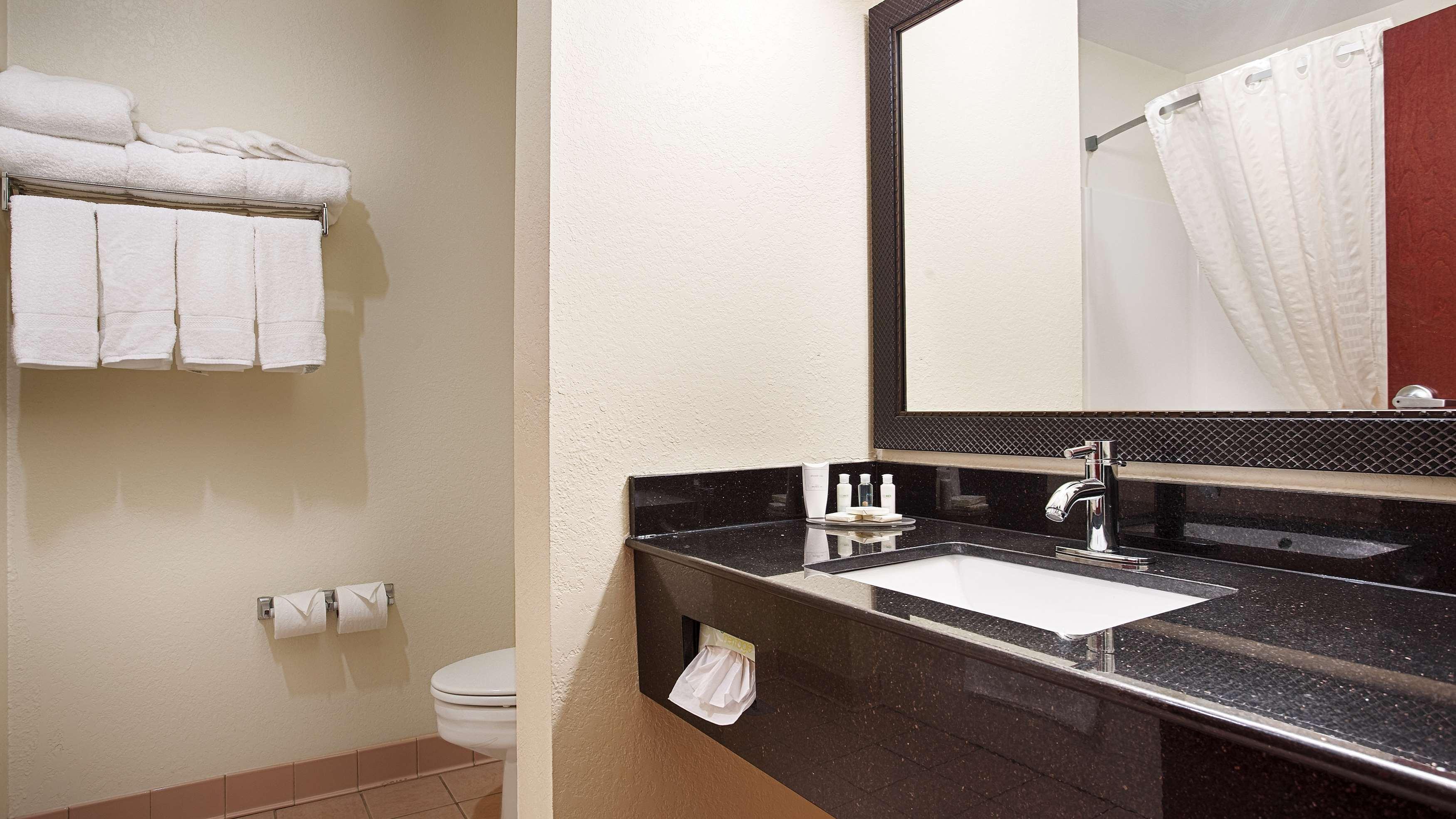 Best Western Concord Inn & Suites image 25