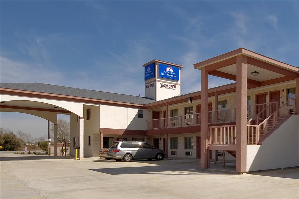 Americas Best Value Inn & Suites - Hempstead/Prairie View image 0